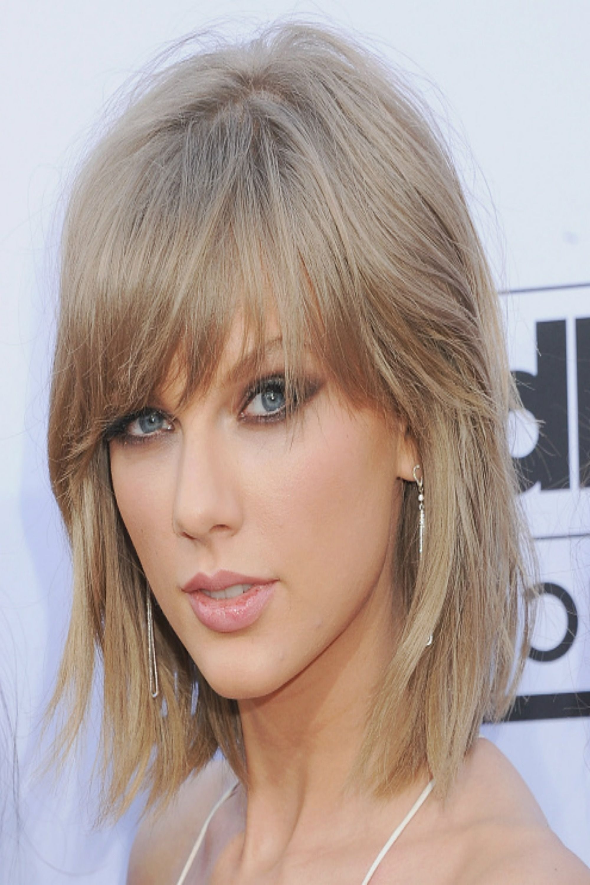 30 Short Hairstyles For Thick Hair 2017 – Women's Haircuts For Short Throughout Well Liked Cropped Tousled Waves And Side Bangs Hairstyles (View 14 of 20)