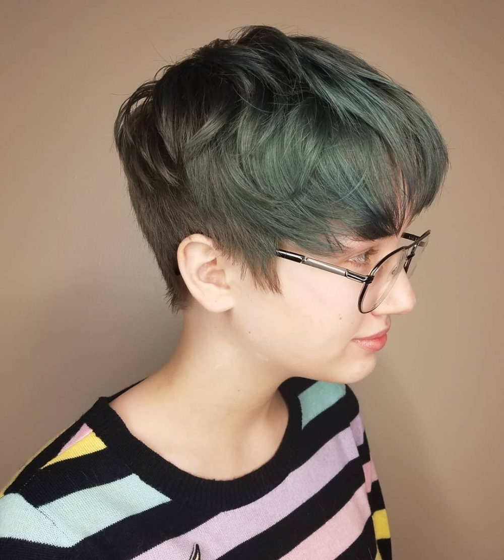 34 Greatest Short Haircuts And Hairstyles For Thick Hair For 2018 With Regard To 2018 Tapered Pixie Hairstyles With Maximum Volume (View 7 of 20)