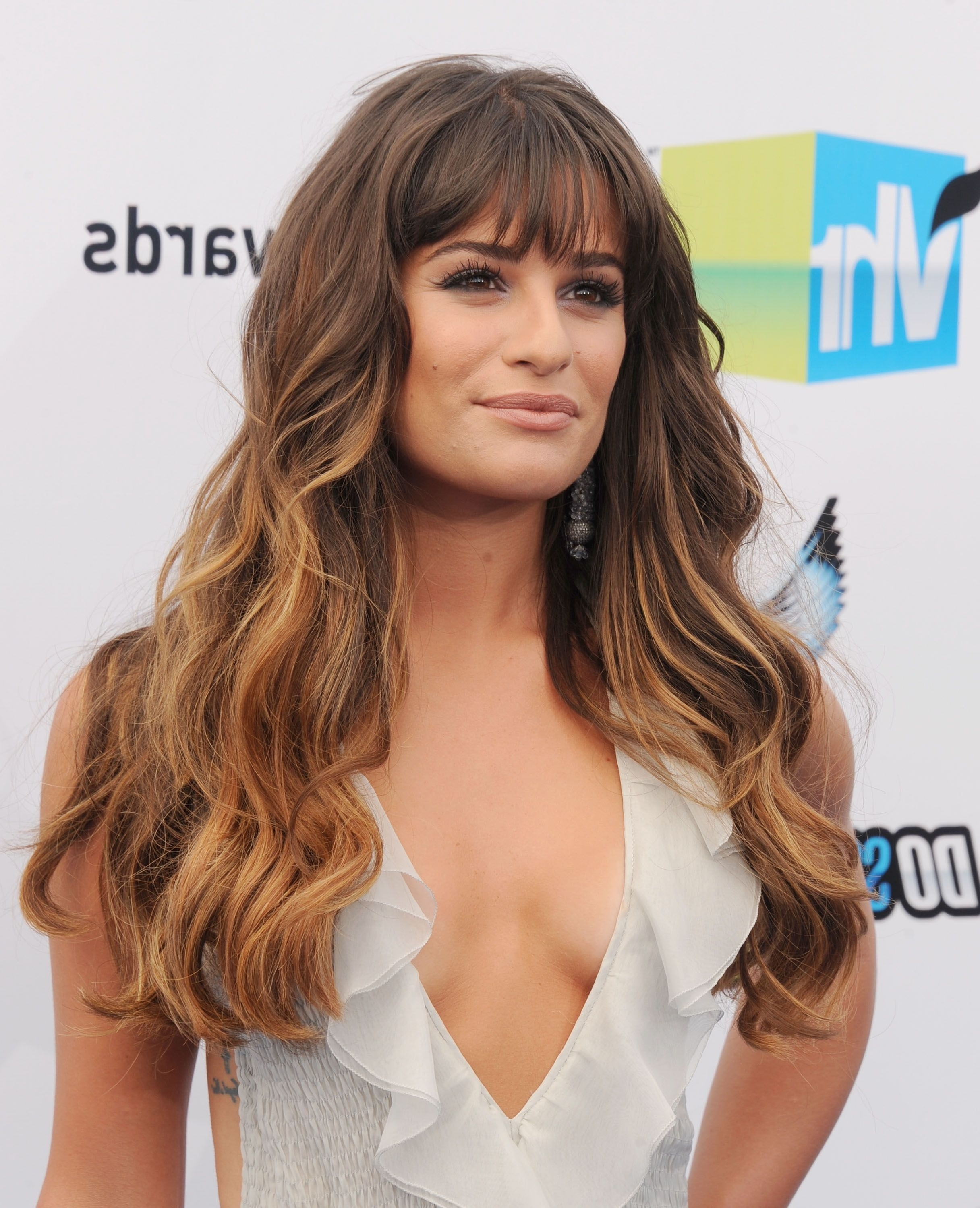 35 Long Hairstyles With Bangs – Best Celebrity Long Hair With Bangs Within Most Recent Cropped Tousled Waves And Side Bangs Hairstyles (View 7 of 20)