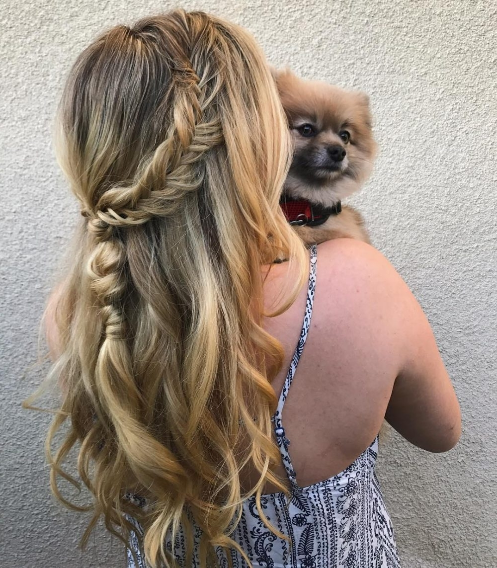 38 Ridiculously Cute Hairstyles For Long Hair (Popular In 2018) In 2018 Loosely Coiled Tortoiseshell Blonde Hairstyles (View 4 of 20)