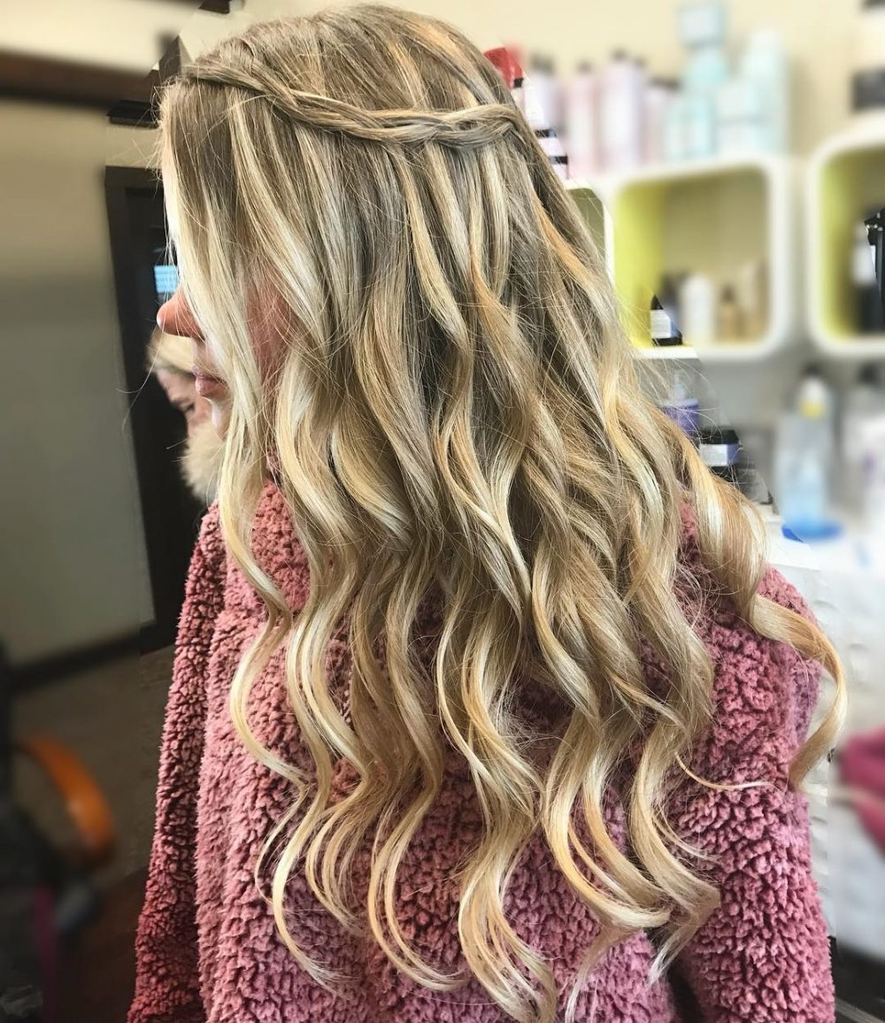 38 Ridiculously Cute Hairstyles For Long Hair (Popular In 2018) Throughout Well Liked Wavy And Braided Hairstyles (View 1 of 20)