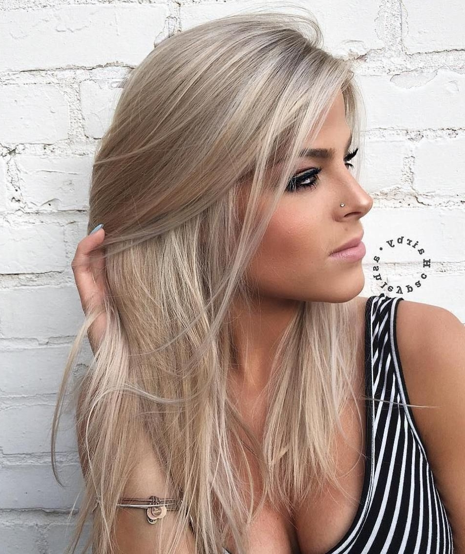 40 Styles With Medium Blonde Hair For Major Inspiration (View 11 of 20)