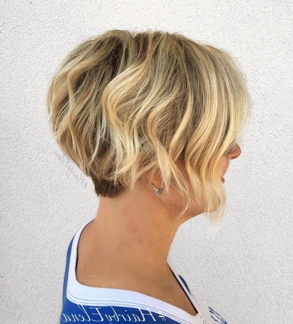 50 Gorgeous Wavy Bob Hairstyles With An Extra Touch Of Femininity With Widely Used Wavy Blonde Bob Hairstyles (View 3 of 20)