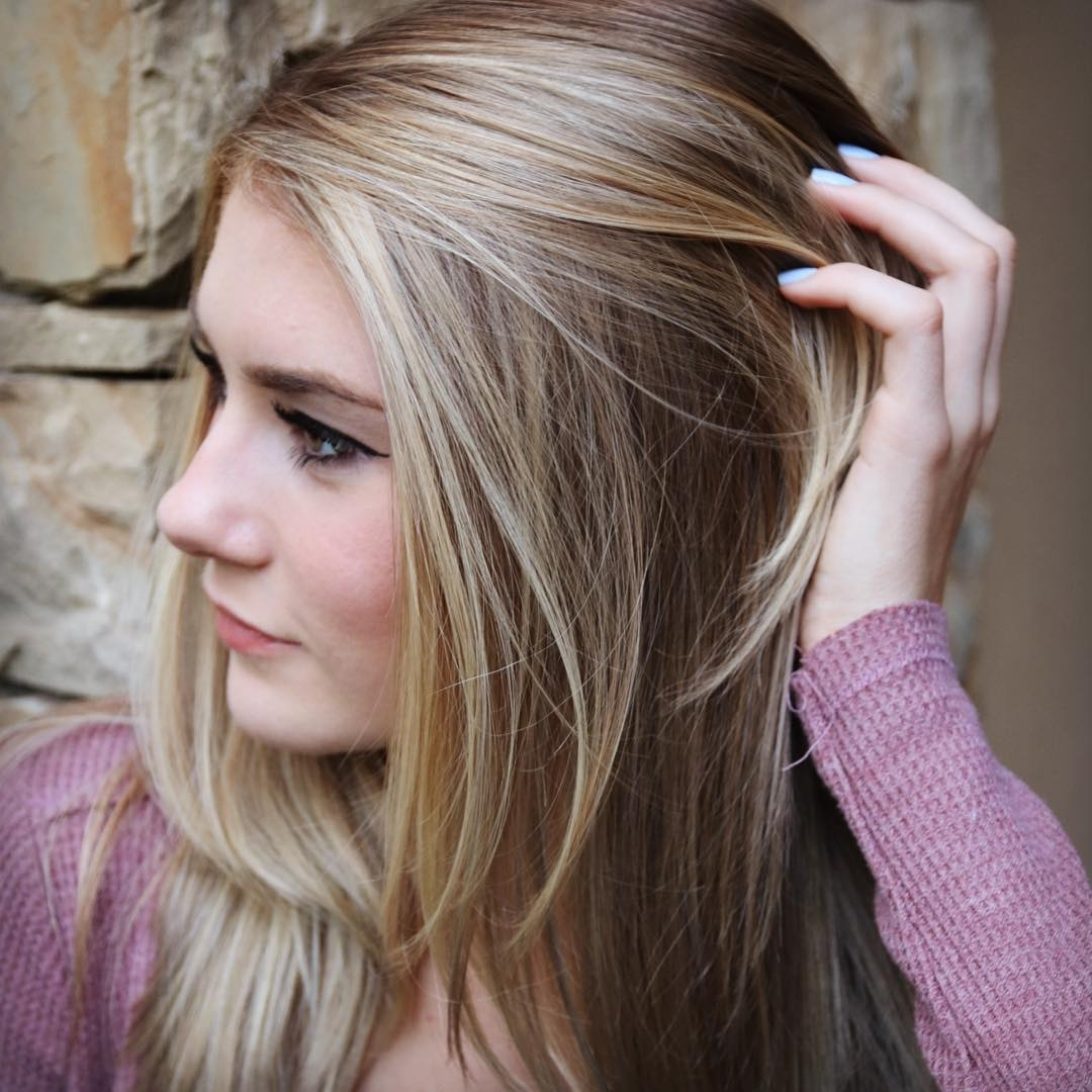 60 Best Blonde Hairstyles With Lowlights And Highlights Inside Widely Used Casual And Classic Blonde Hairstyles (View 9 of 20)
