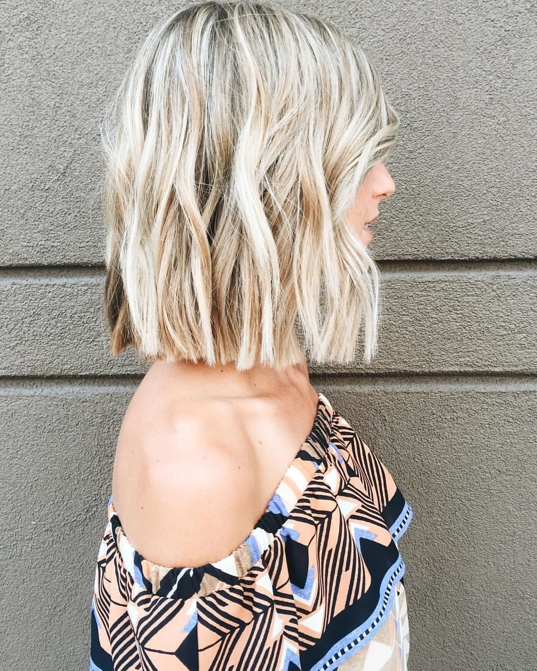 60 Gorgeous Blunt Cut Hairstyles – The Haircut That Works On In Preferred Blunt Cut White Gold Lob Blonde Hairstyles (View 6 of 20)