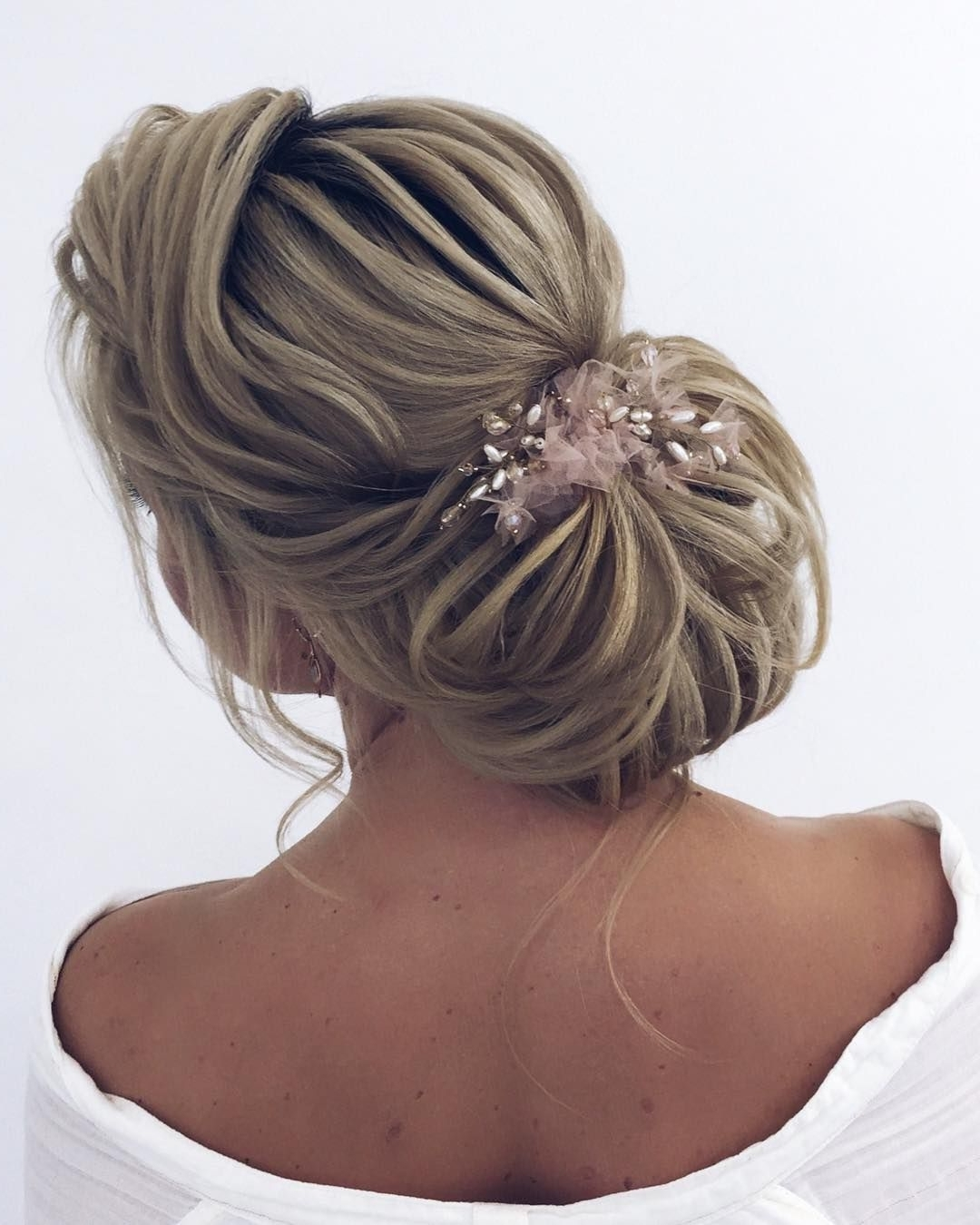 87 Fabulous Wedding Hairstyles For Every Wedding Dress Neckline Within Fashionable Fabulous Bridal Pony Hairstyles (View 11 of 20)