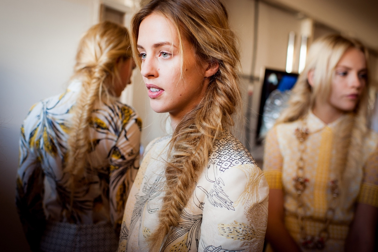 Ask Tbi: Mastering The Messy Fishtail Braid (Gallery 10 of 20)