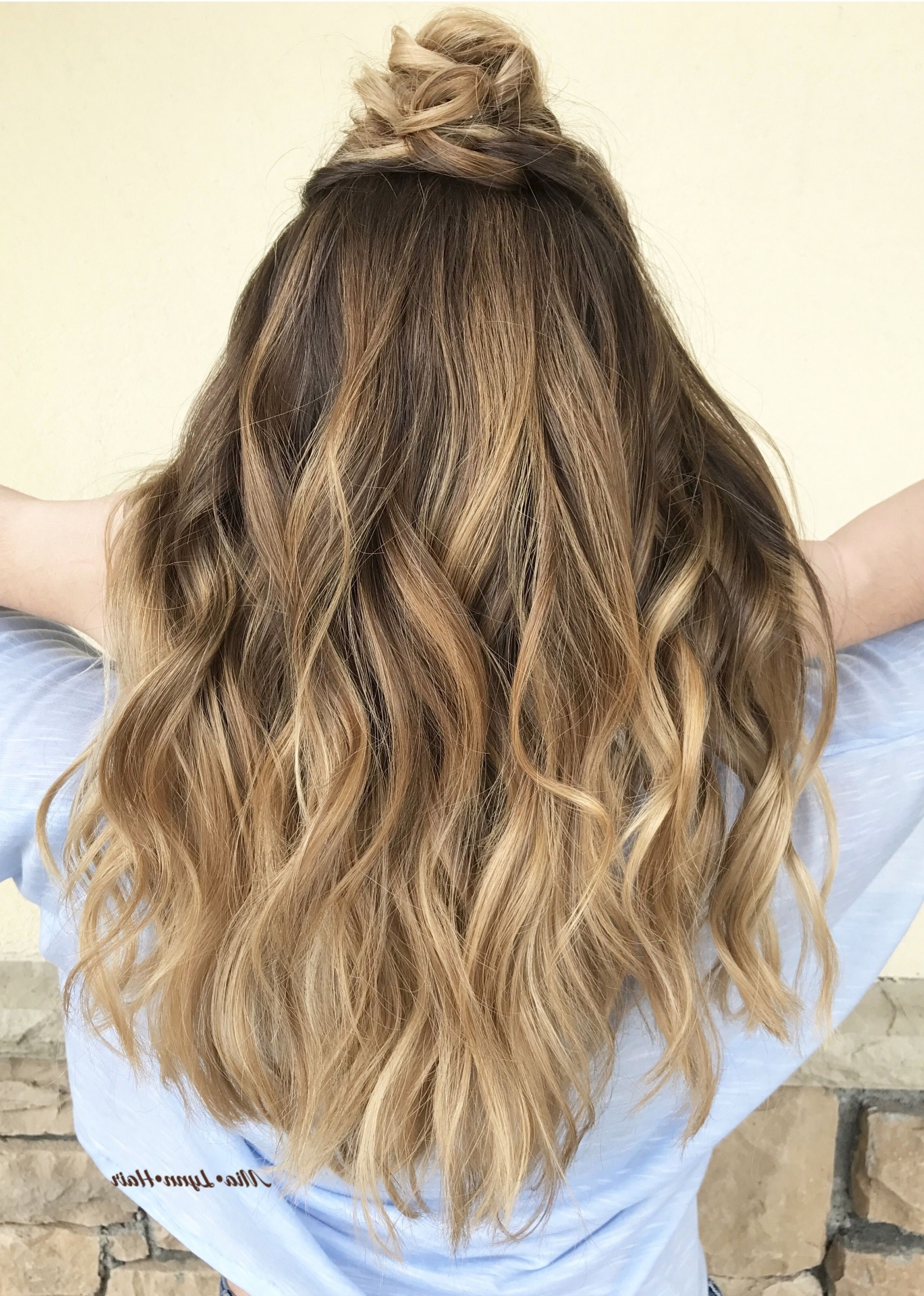 Balayage, Balayage Highlights, Brown Hair, Blonde Hair, Sombre, Warm Regarding Fashionable Loose Curls Blonde With Streaks (View 6 of 20)