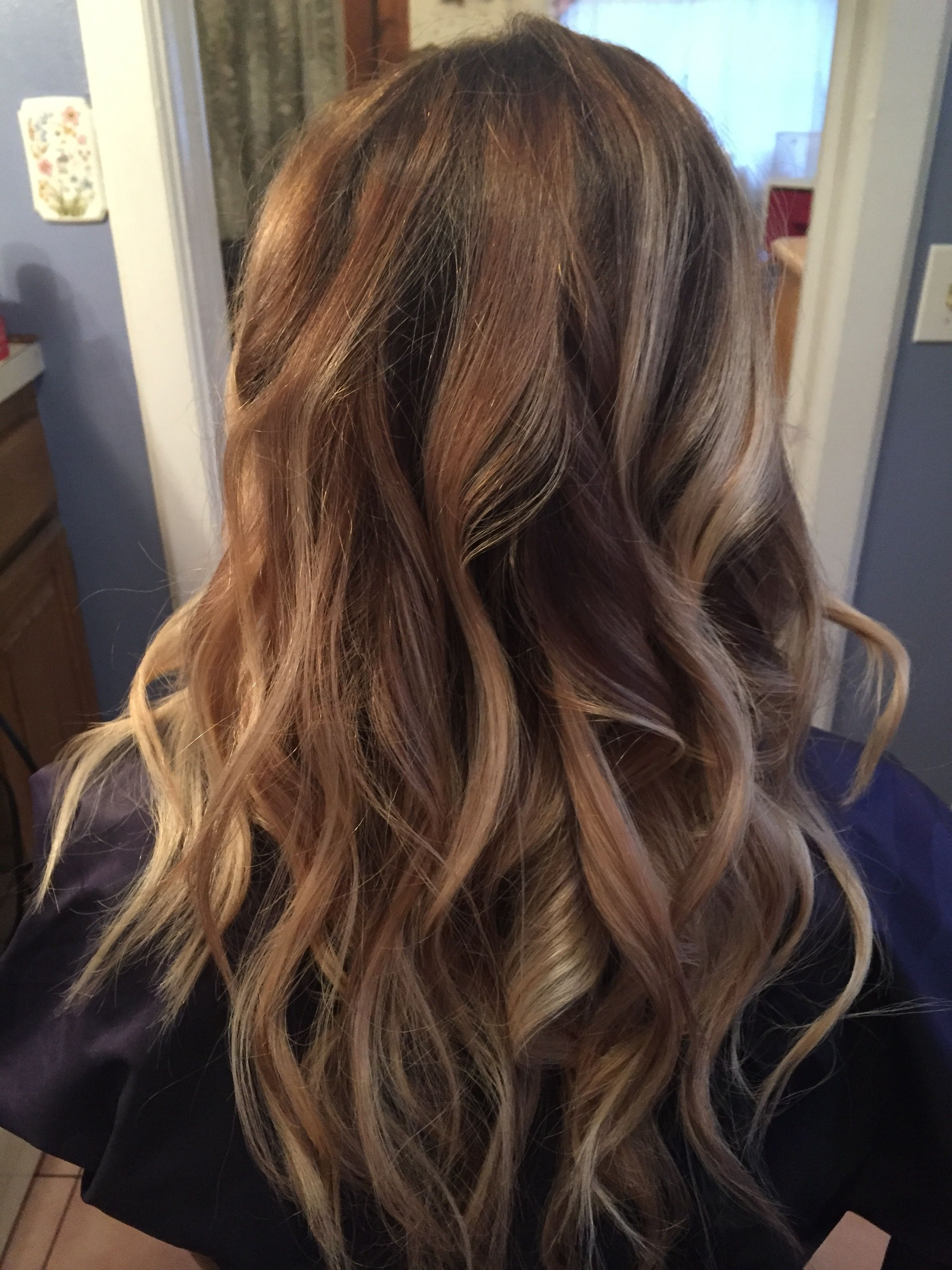 Balayage Dark Roots, Light Brown Fades Into Blonde (View 4 of 20)