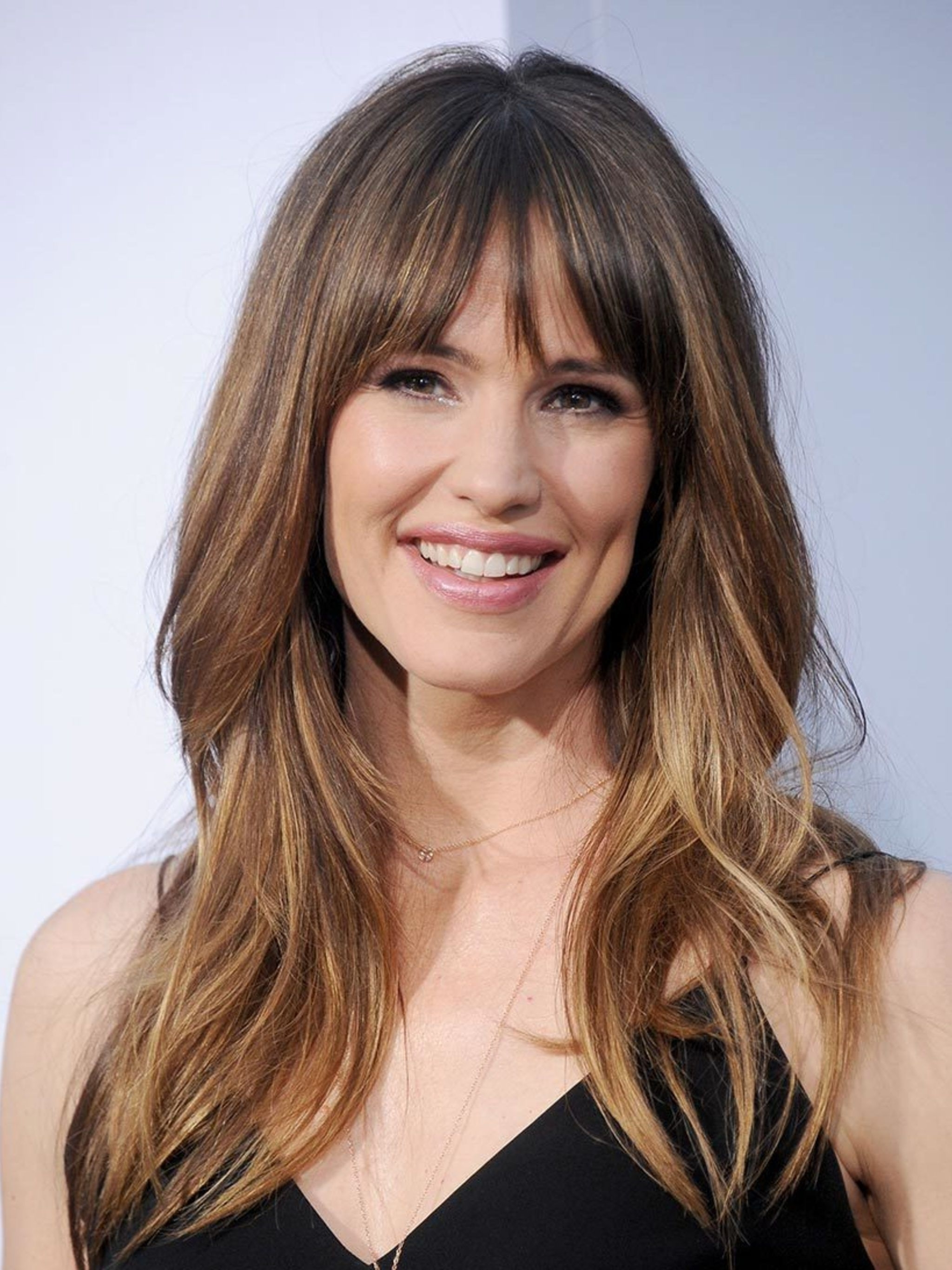 Best Fringe Hairstyles For 2018 – How To Pull Off A Fringe Haircut Pertaining To Famous Cropped Tousled Waves And Side Bangs Hairstyles (View 2 of 20)
