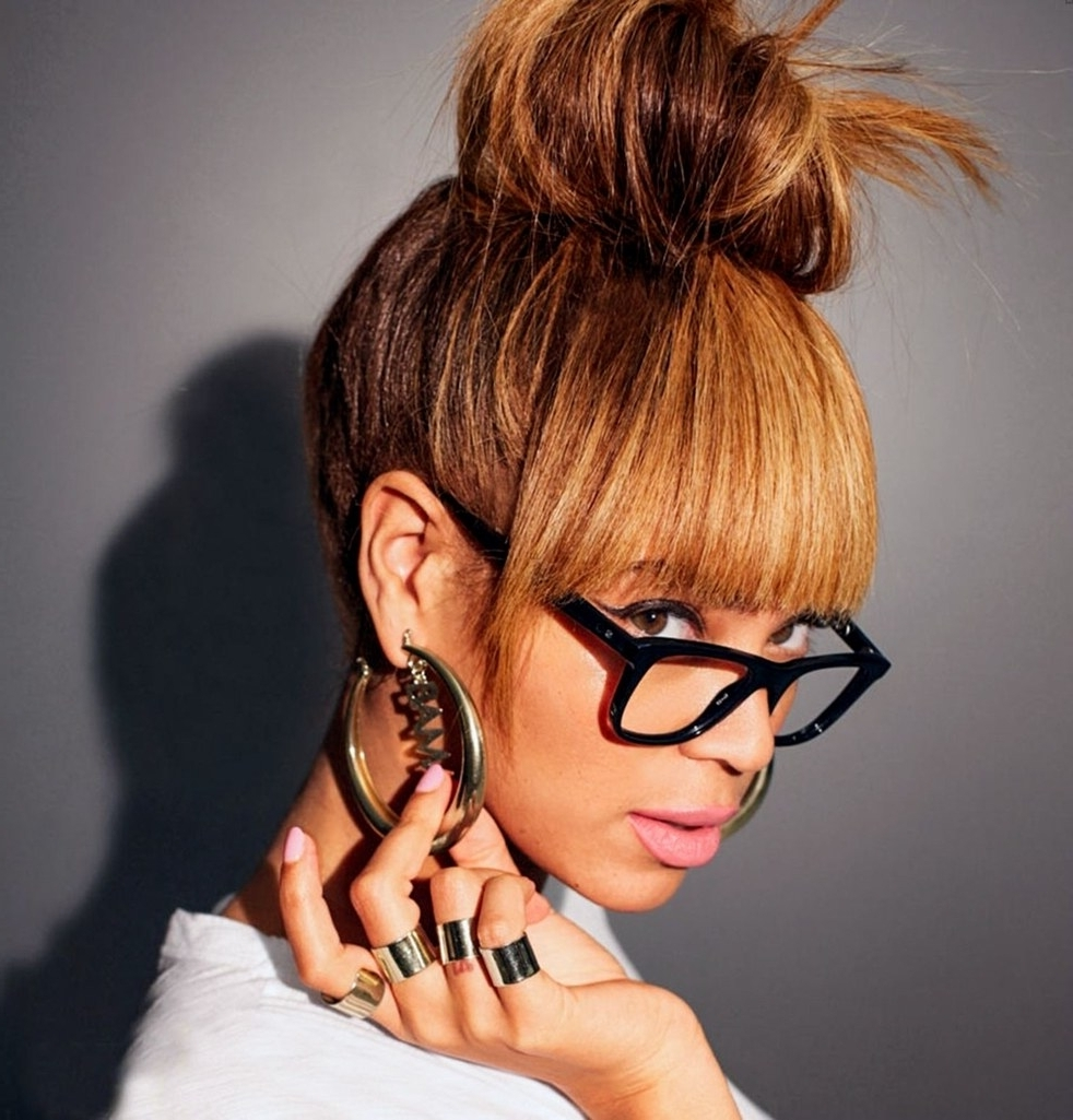 Beyonce's Greatest Hairstyles: 31 Ideas For Curly, Textured Hair Intended For 2017 Side Bangs And Pony Hairstyles For Wavy Hair (View 15 of 20)