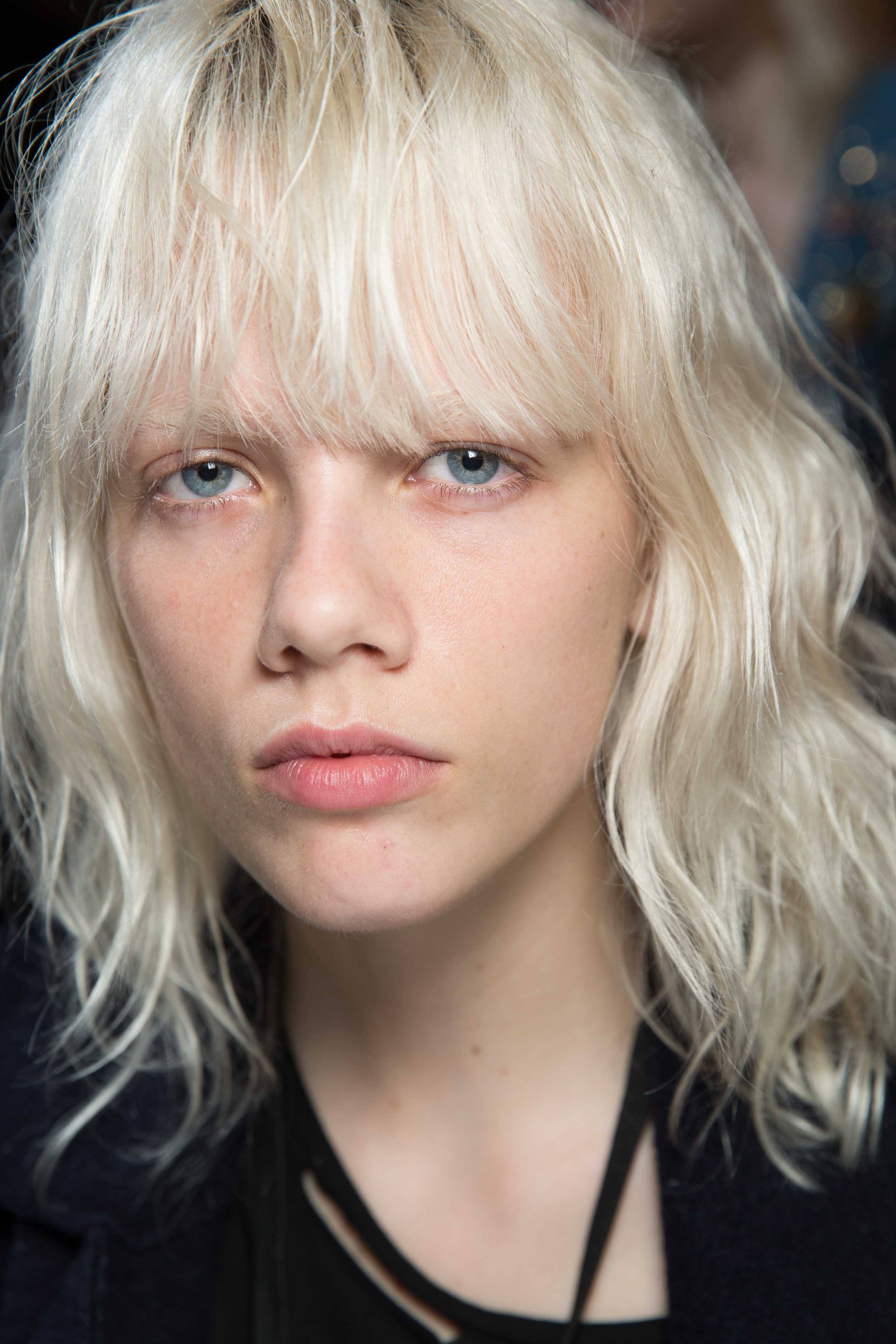 Blonde Bob Hairstyles: 5 Hair Trends To Try Out In 2017 Within Most Popular Wavy Blonde Bob Hairstyles (View 6 of 20)