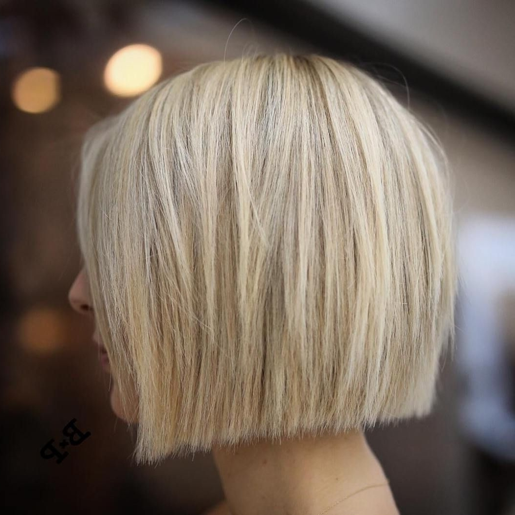 Blonde Bobs, Bobs Regarding Fashionable Straight Blonde Bob Hairstyles For Thin Hair (View 16 of 20)