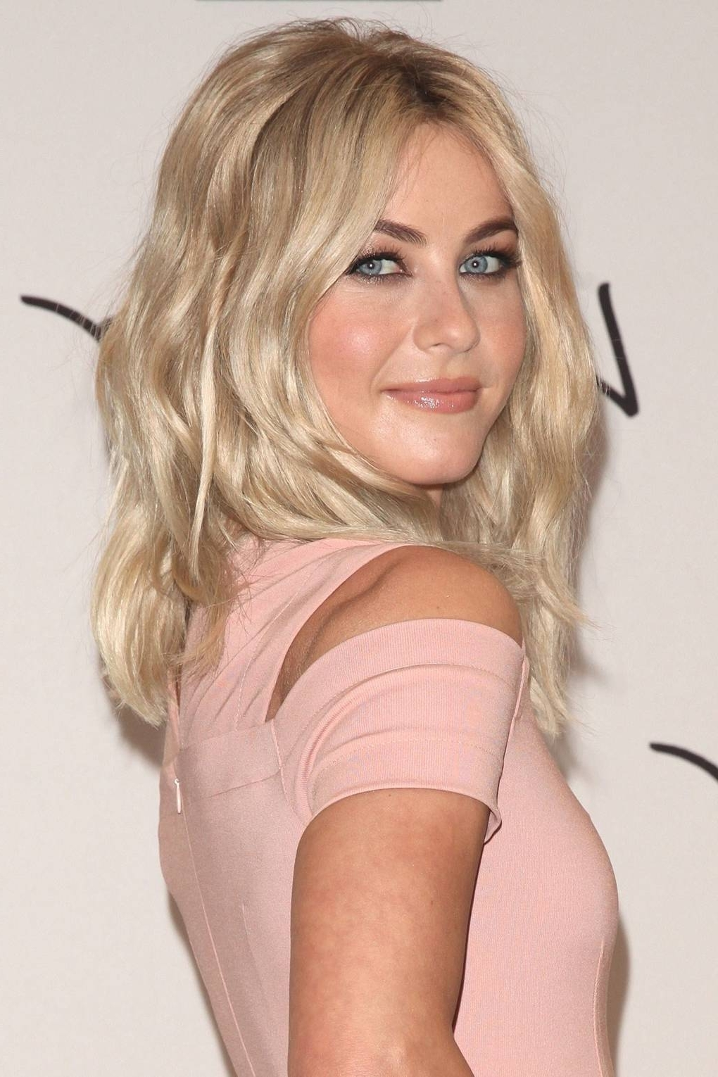 Blonde Hair Colours: Ash, Platinum, Strawberry, Dirty And Dark With Recent Sleek Ash Blonde Hairstyles (View 8 of 20)