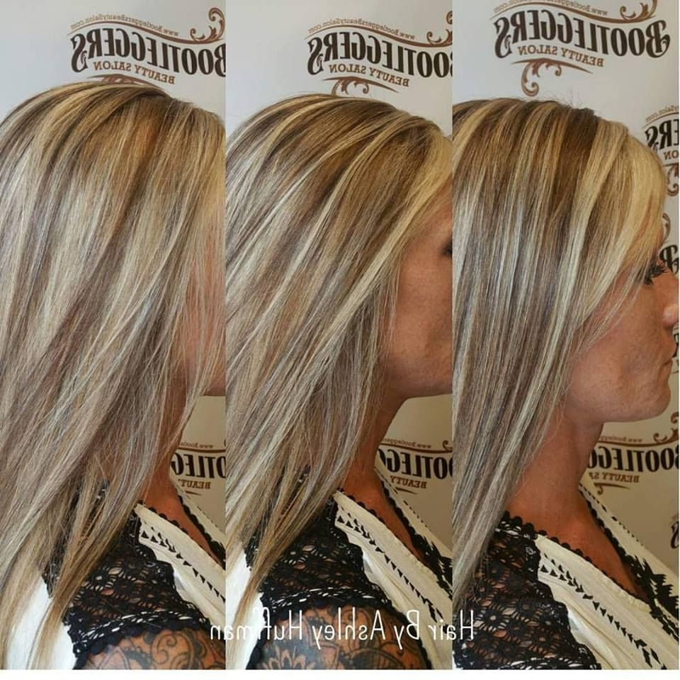 Champagne Blonde Highlights With Brown Sugar Lowlights Pertaining To Widely Used Brown Sugar Blonde Hairstyles (View 9 of 20)