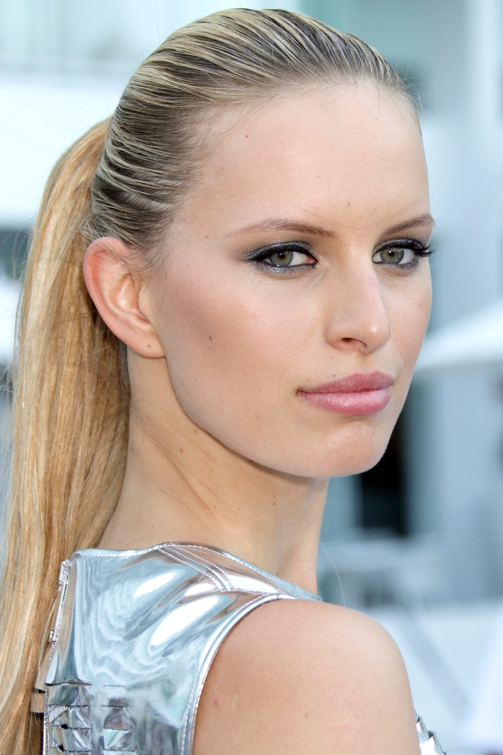 Current Poofy Pony Hairstyles With Face Framing Strands For 20 New Ways To Wear A Ponytail – Best Celebrity Ponytails Of (View 7 of 20)