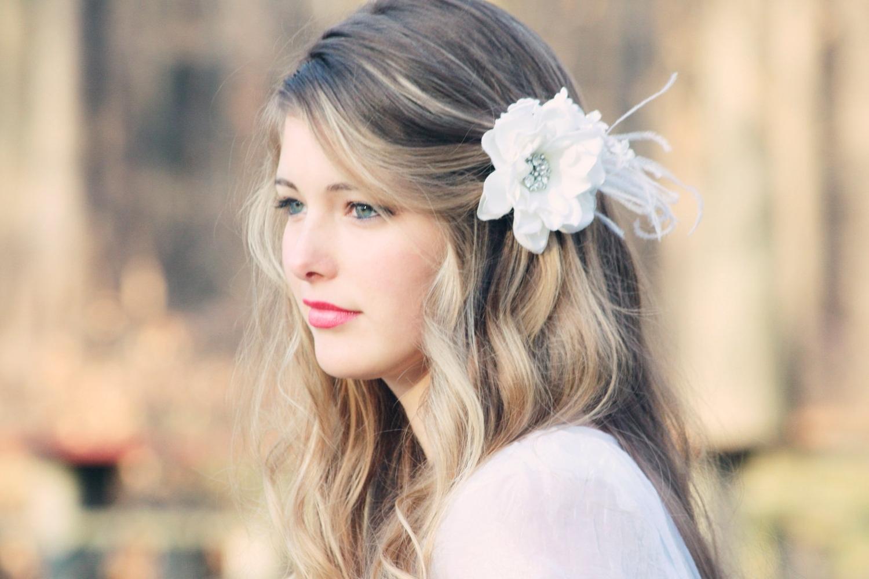 Current White Wedding Blonde Hairstyles Regarding 80+ Spring & Summer Wedding Hairstyles With Flowers – Femaline (View 9 of 20)