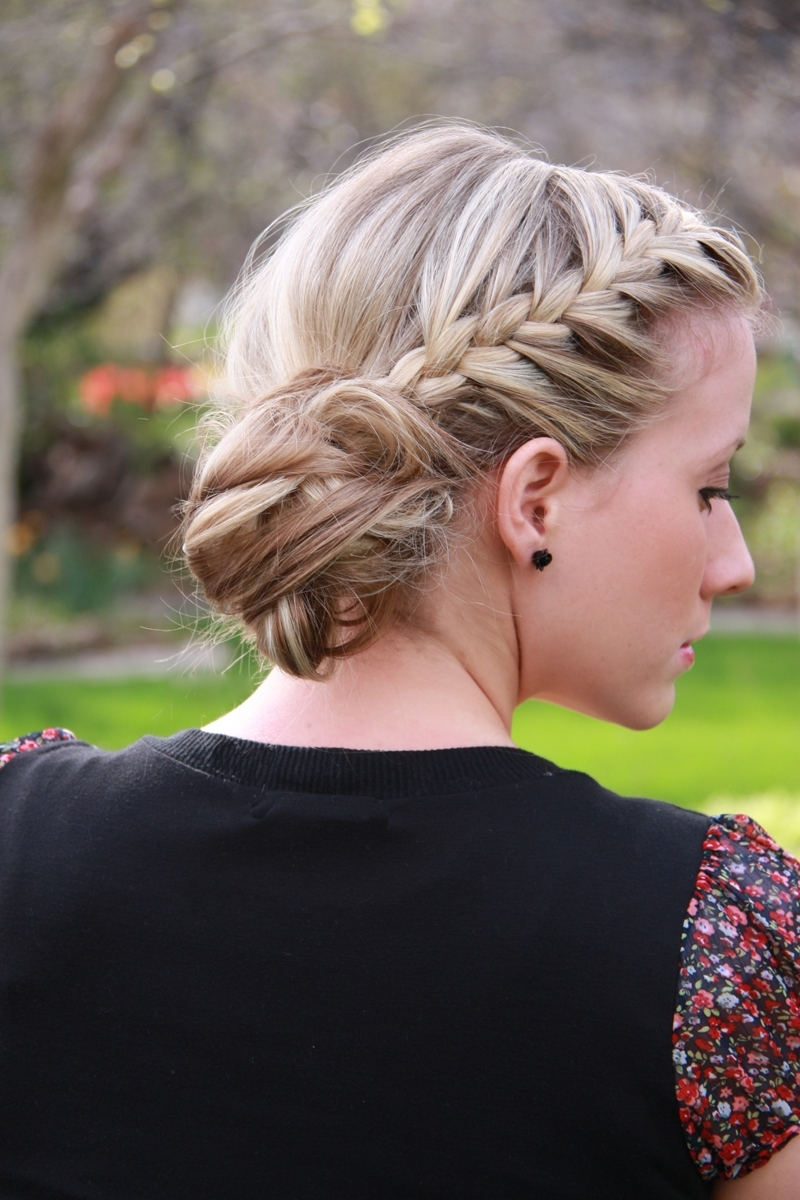 Day 11  Braided Messy Bun – Twist Me Pretty Regarding Current Messy Ponytail Hairstyles With Side Dutch Braid (View 5 of 20)