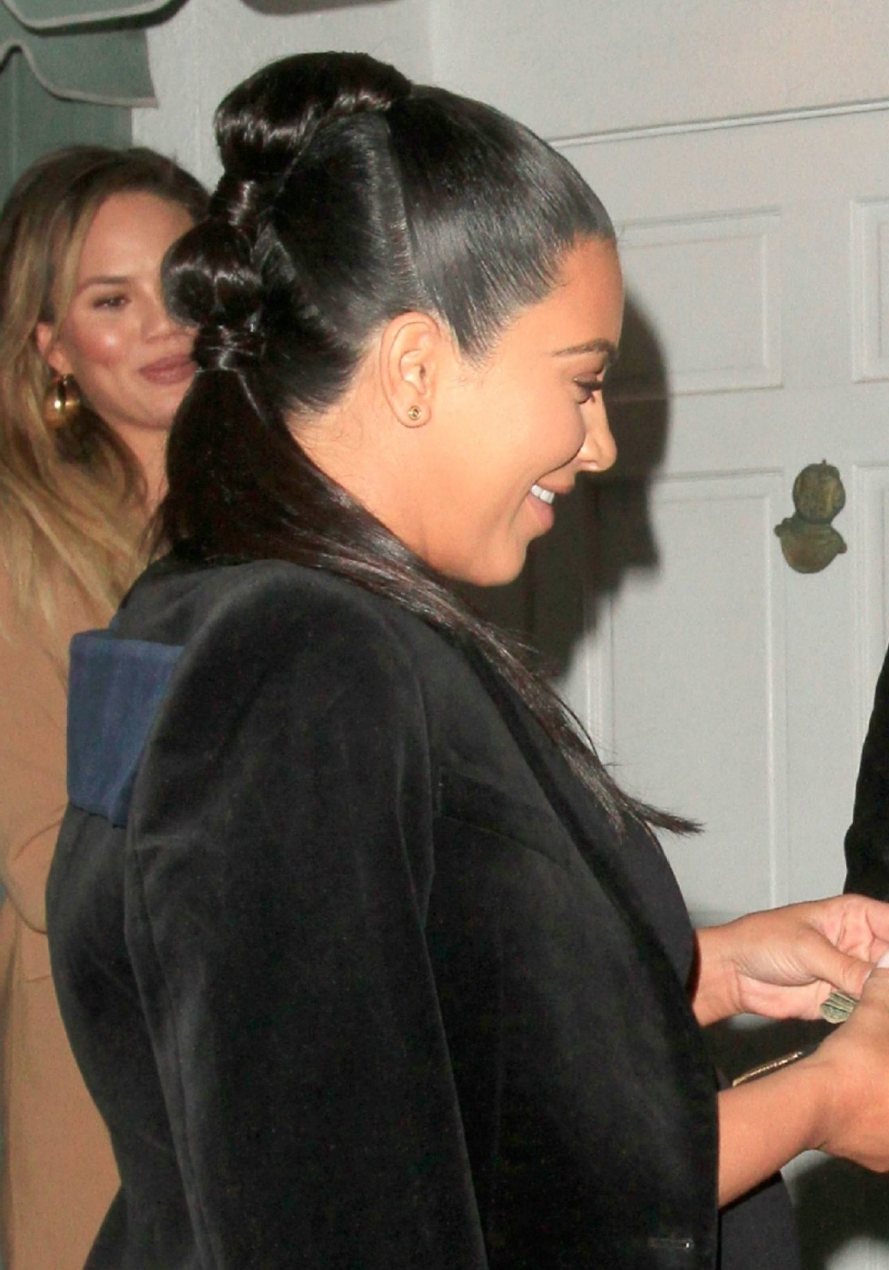 Easy Holiday Hairstyle Idea: How To Copy Kim Kardashian's Knotted For Trendy Knotted Ponytail Hairstyles (View 9 of 20)