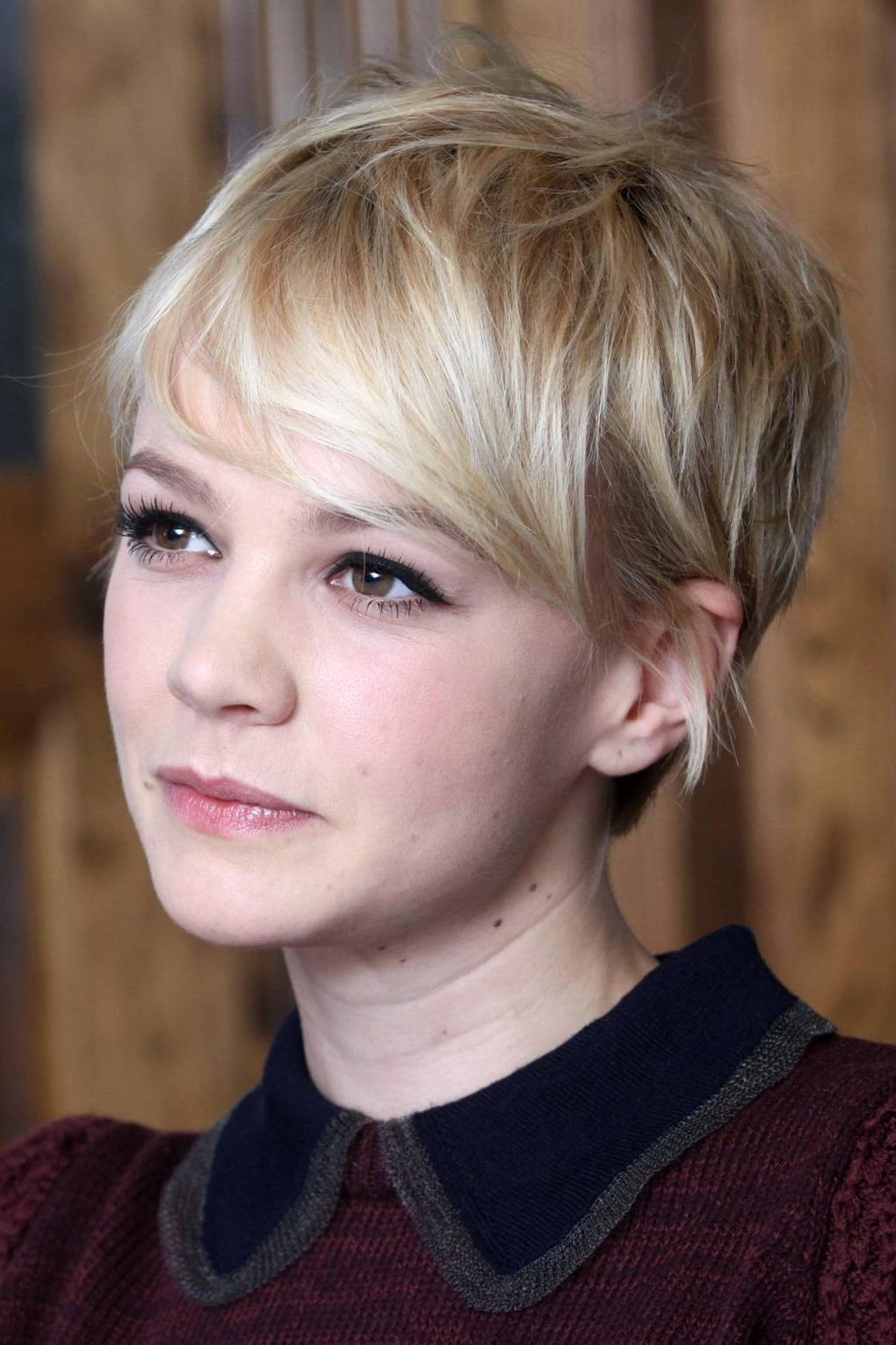 Famous Cropped Tousled Waves And Side Bangs Hairstyles In Carey Mulligan Red Carpet Hair And Hairstyles – Pixie Crop (View 18 of 20)