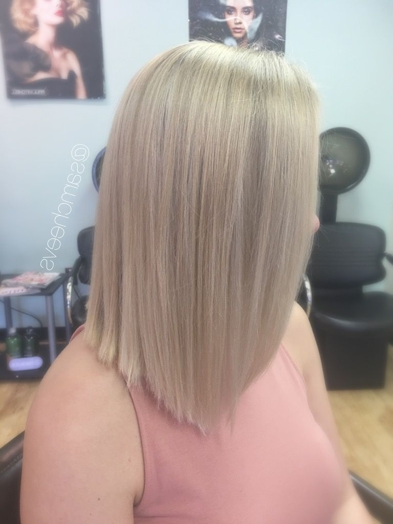 Featured Photo of Solid White Blonde Bob Hairstyles