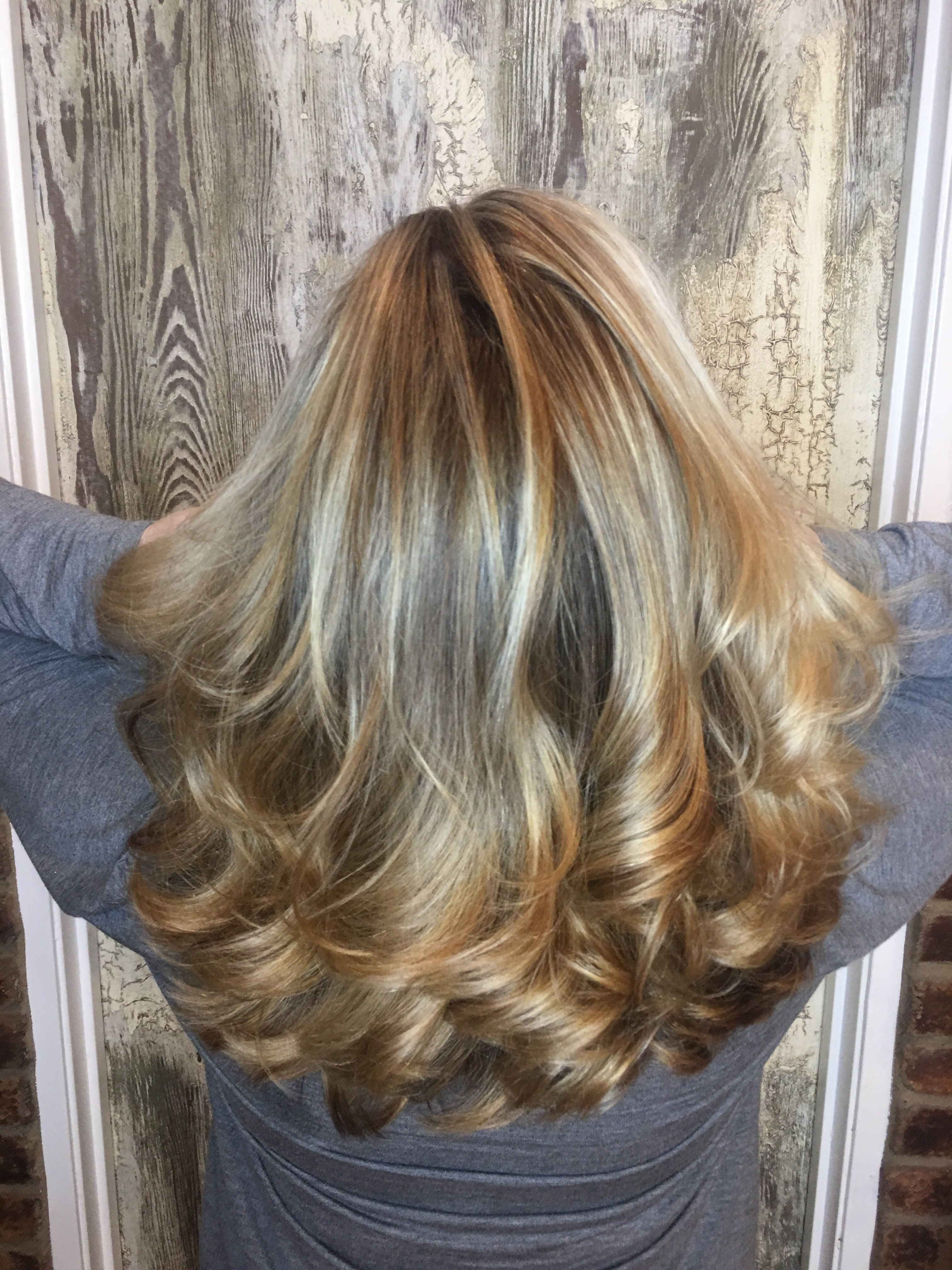 Fashionable Brown Blonde Layers Hairstyles With Regard To Brown Blonde Balayage Chocolate With White Honey Highlights Long (View 11 of 20)