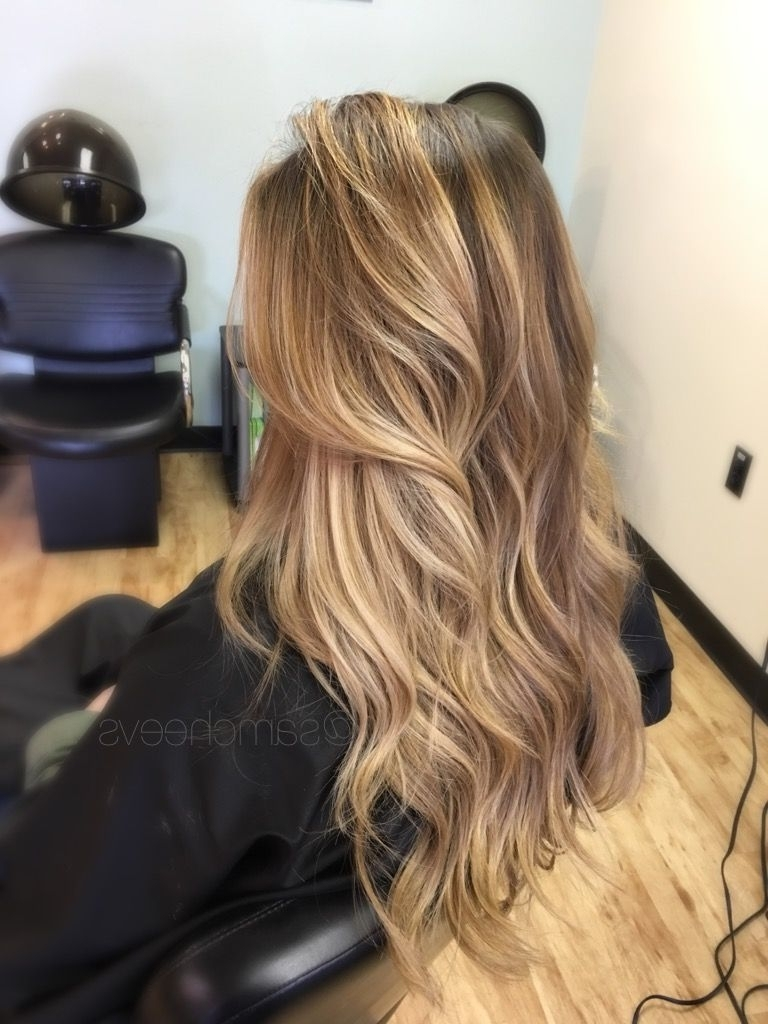 Favorite Medium Honey Hued Blonde Hairstyles With Dark Roots With Sun Kissed Honey Platinum Warm Pearl Blonde Balayage (View 7 of 20)