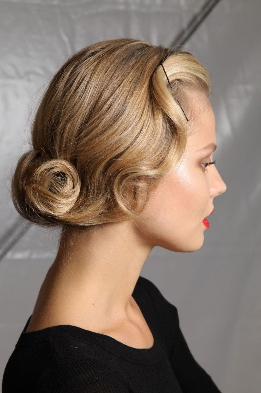 Favorite Retro Glam Ponytail Hairstyles With 45 Hairstyles For Round Faces To Make It Look Slimmer (View 9 of 20)