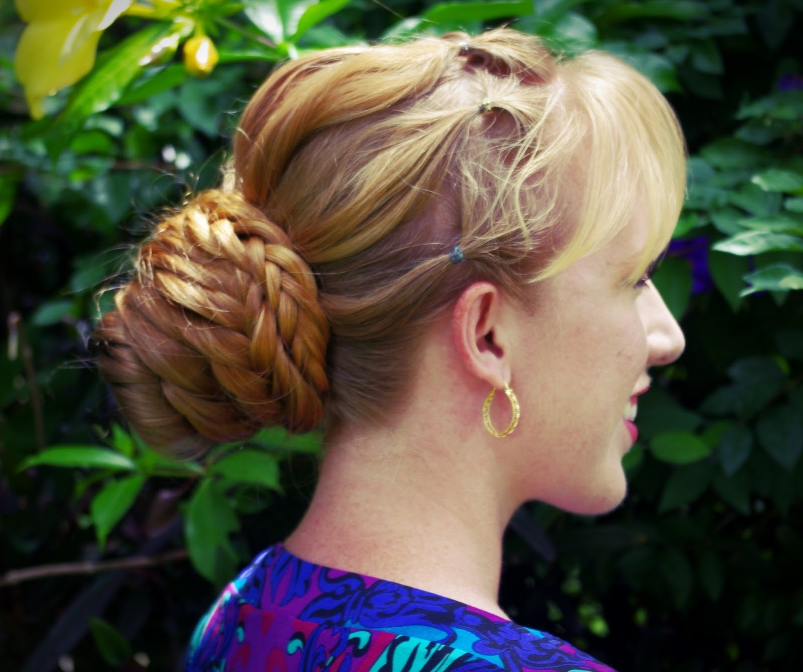 Hairstyles Trend: Loose Fishtail Bun With Ponytail Accents Regarding Recent Pony Hairstyles With Accent Braids (View 12 of 20)