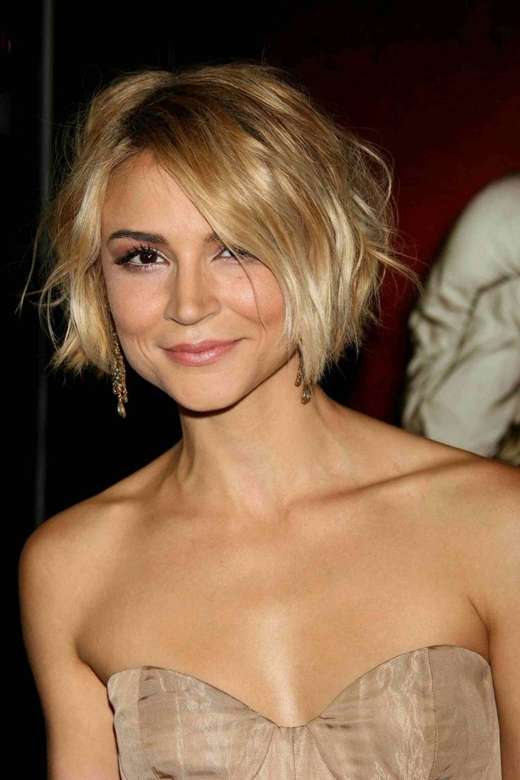Holiday Hair Tips And 67 Best Haircuts Straight Hair W Medium Length With Most Recently Released Straight Blonde Bob Hairstyles For Thin Hair (View 20 of 20)