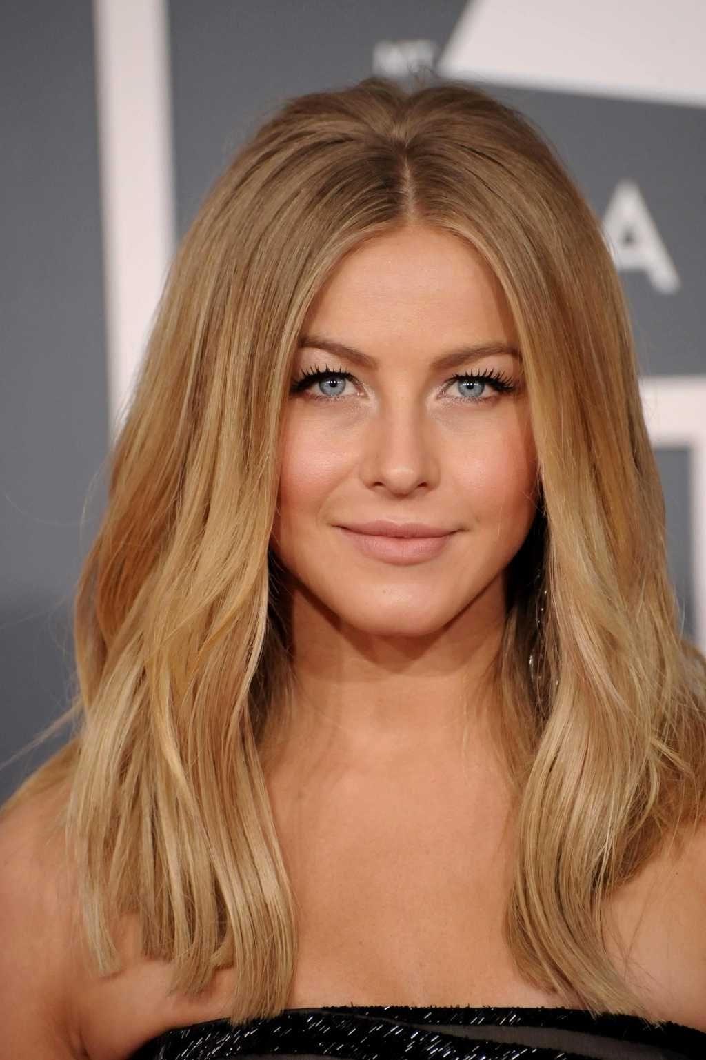 20 Photo of Medium Honey-Hued Blonde Hairstyles