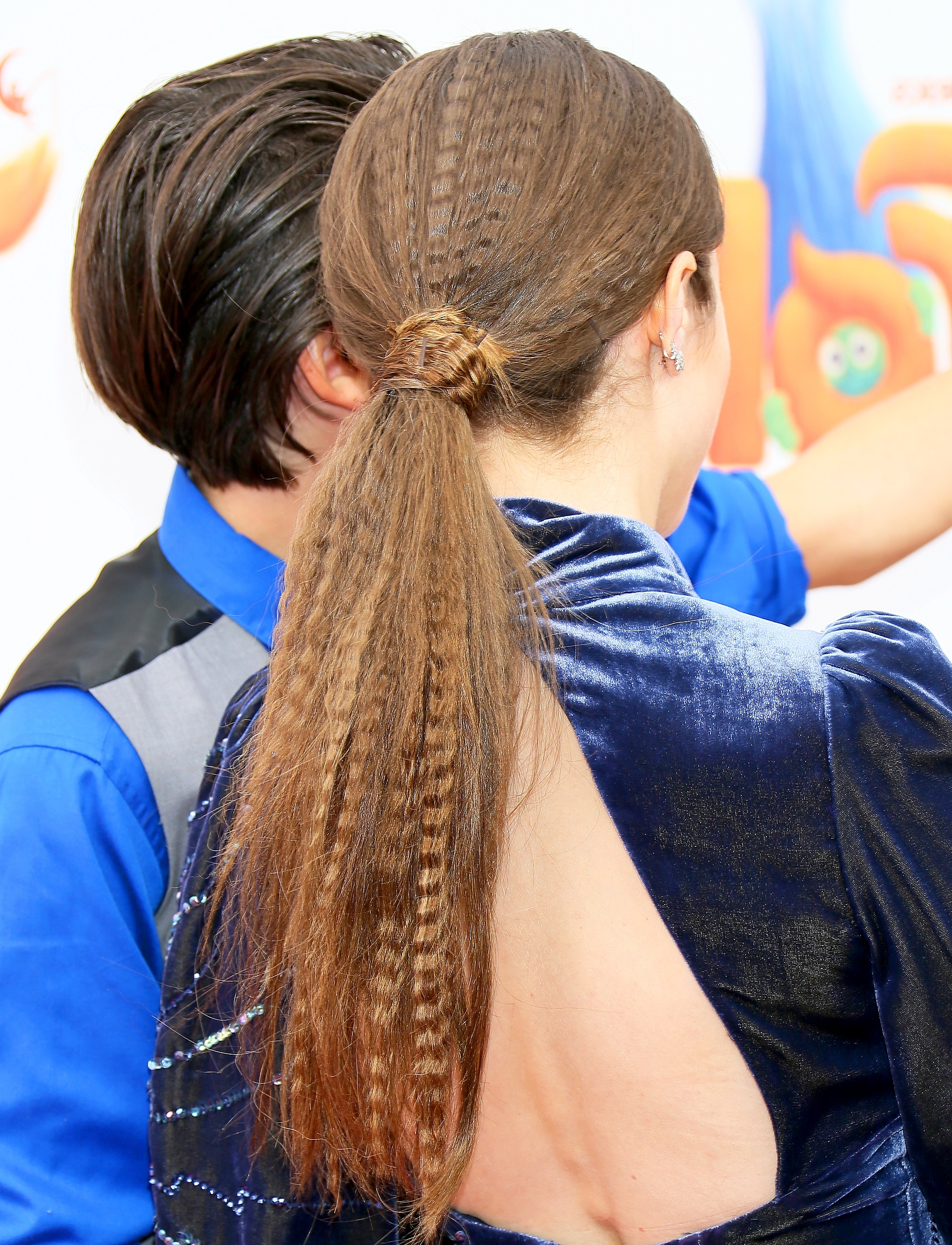 How To Copy Anna Kendrick's Crimped Ponytail: Photo In 2018 Crimped Pony Look Ponytail Hairstyles (View 10 of 20)