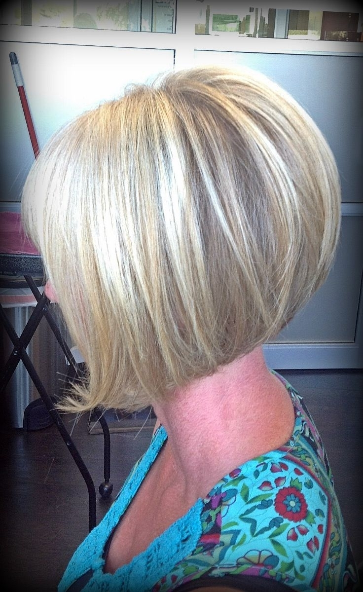Inverted Bob Short Hairstyles – 28 Easy To Style Haircut Ideas Intended For Widely Used Stacked White Blonde Bob Hairstyles (View 12 of 20)