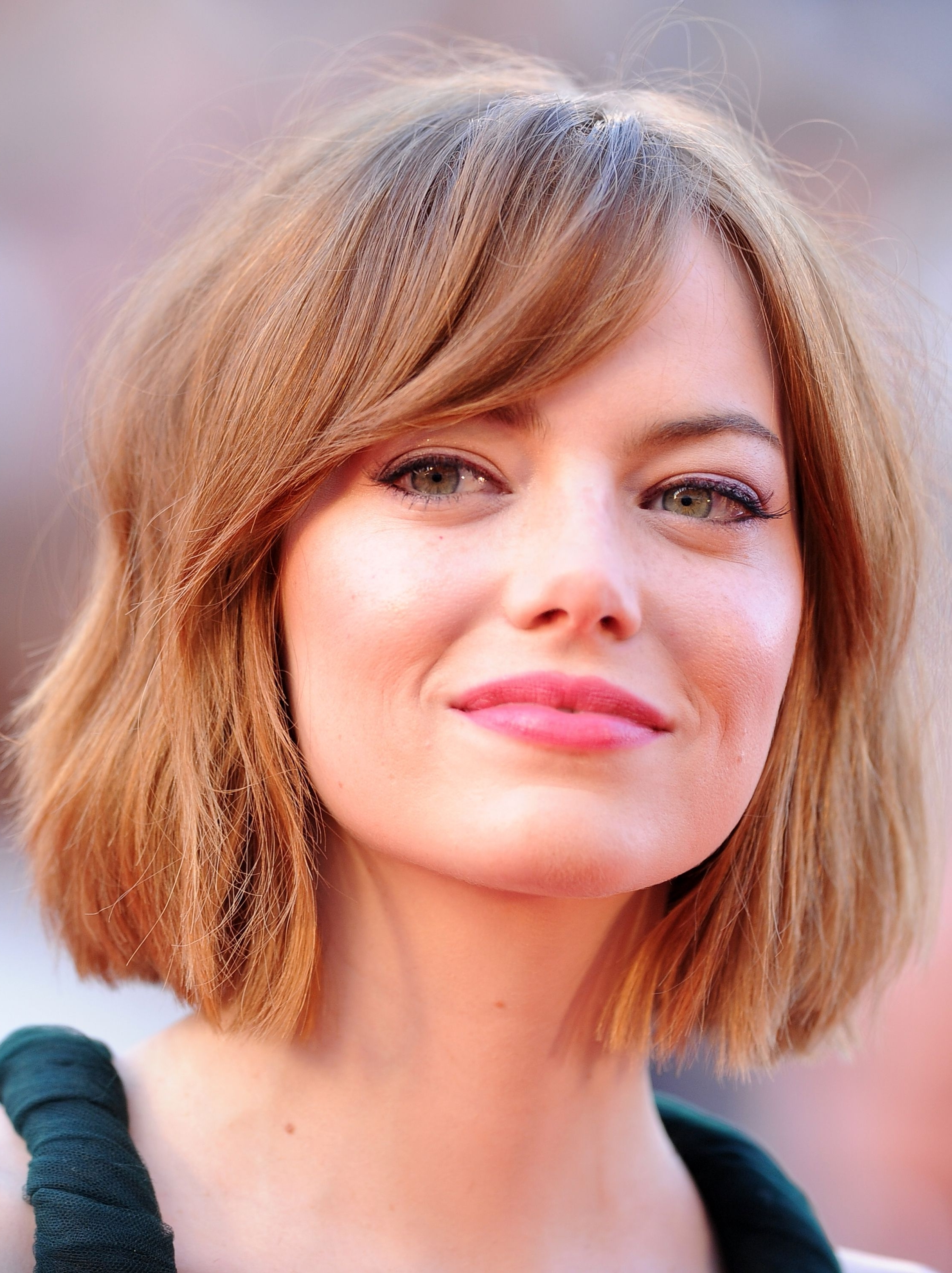 Latest Blonde Bob With Side Bangs Intended For Bob Hairstyles For 2018 – 53 Short Haircut Trends To Try Now (View 16 of 20)