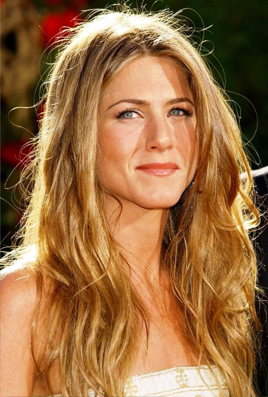 Latest Casual And Classic Blonde Hairstyles Inside Get Inspiredjennifer Aniston Hairstyles In 2018 (Gallery 15 of 20)