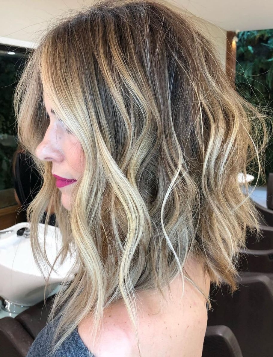 Latest Dark And Light Contrasting Blonde Lob Hairstyles Within 60 Fun And Flattering Medium Hairstyles For Women In  (View 16 of 20)