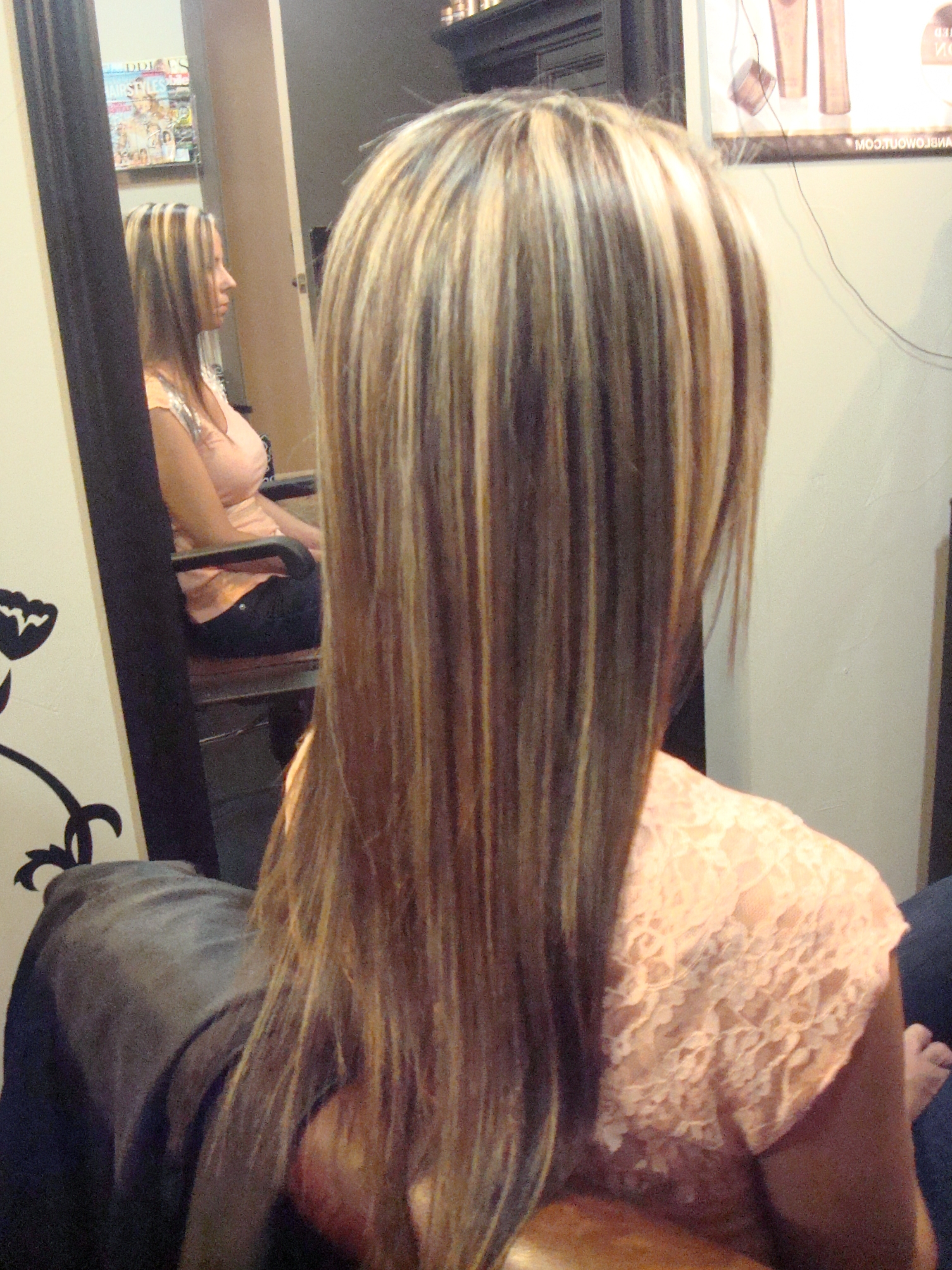 Long Hair Blonde Highlights Pictures 2018 Throughout 2018 Caramel Blonde Hairstyles (View 8 of 20)
