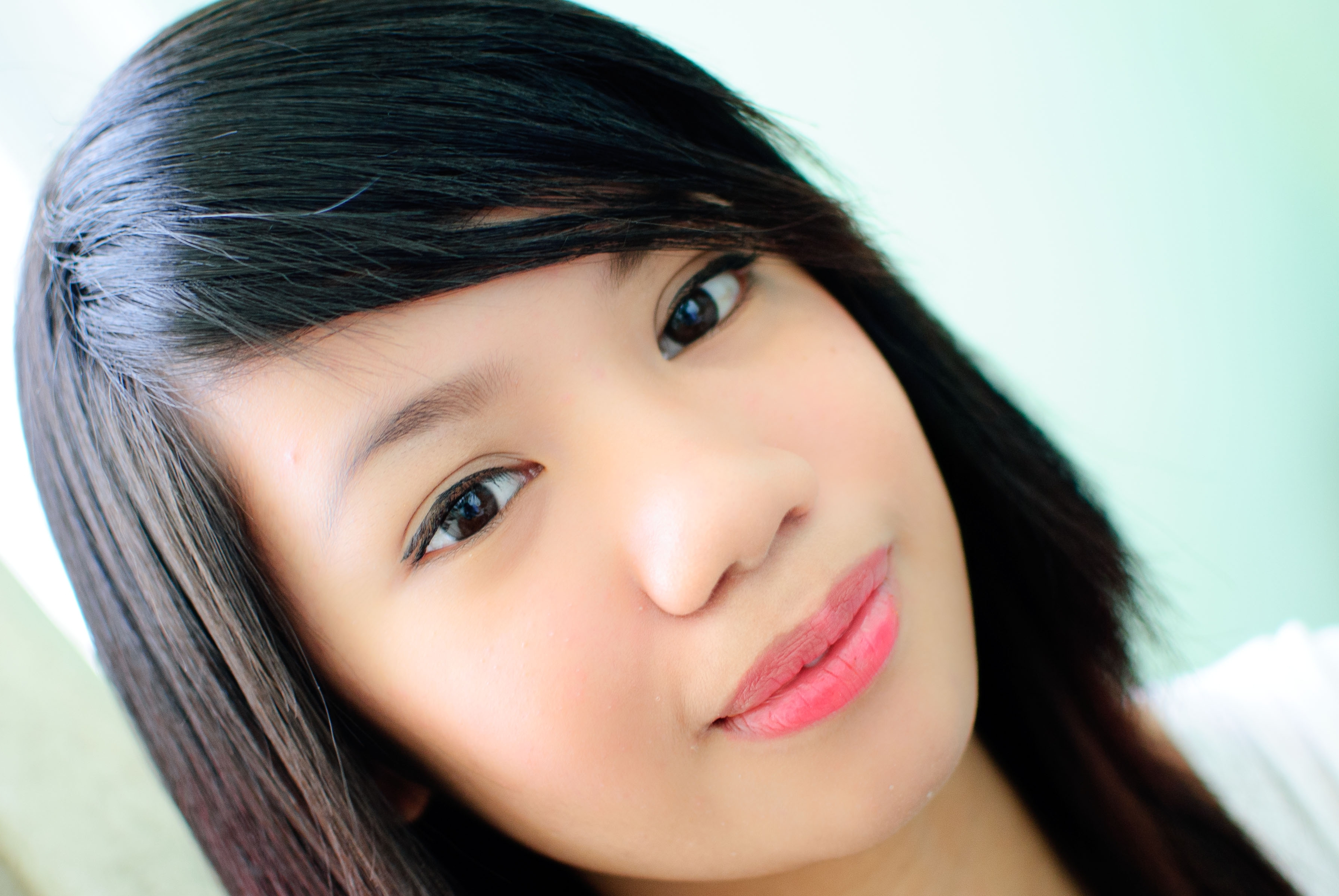 Long Hairstyles With Swoop Bangs How To Get Sideswept Bangs With Regarding Fashionable Side Pony Hairstyles With Swooping Bangs (Gallery 19 of 20)