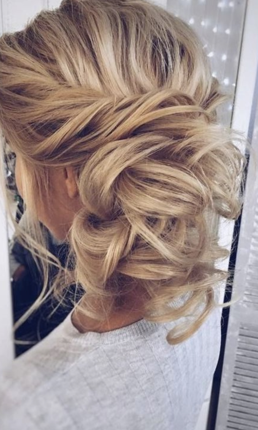 Messy Updo X Girlgetglamoroushair Clip In Hair Extensions Beach Day In Latest Long Blond Ponytail Hairstyles With Bump And Sparkling Clip (View 9 of 20)
