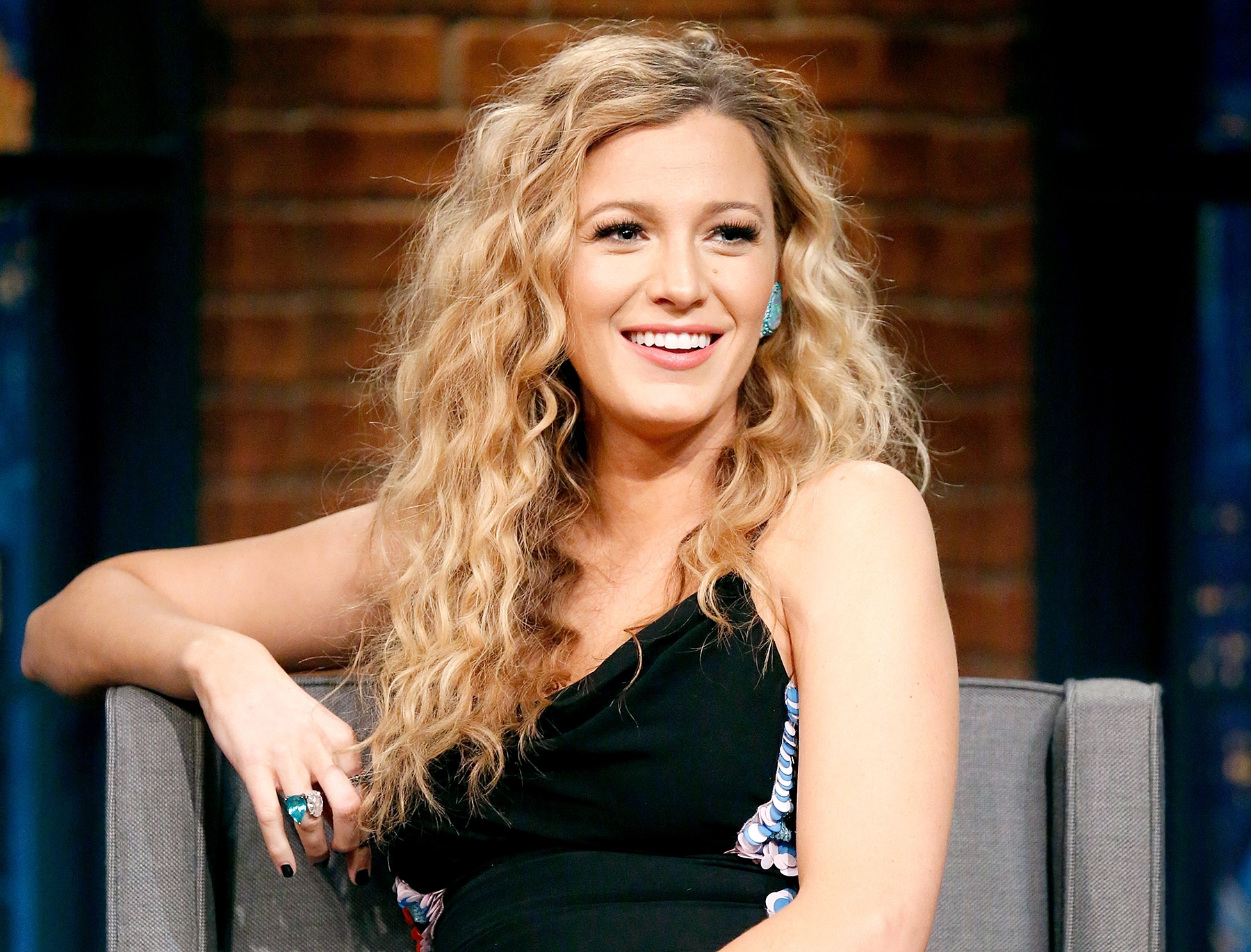 Most Current Botticelli Ponytail Hairstyles With Pregnant Blake Lively Styles Hair Into '80S Era Perm Curls (View 7 of 20)