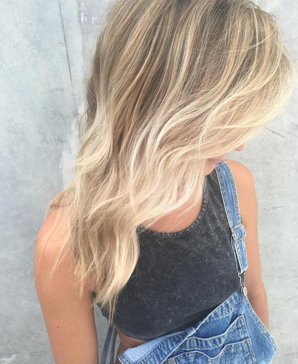 Most Current Browned Blonde Peek A Boo Hairstyles Throughout 11 Hot Blonde Balayage Hairstyle Ideas For Any Season (View 13 of 20)