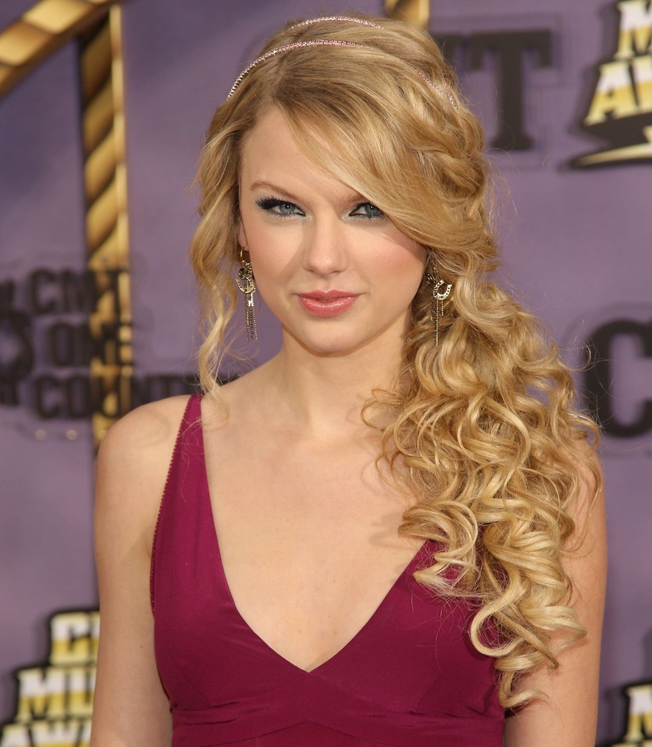 Most Current Side Braid Hairstyles For Curly Ponytail Intended For Long Curly Hair Bridal Hairstyles Curly Side Ponytail Prom Hairstyles (View 15 of 20)