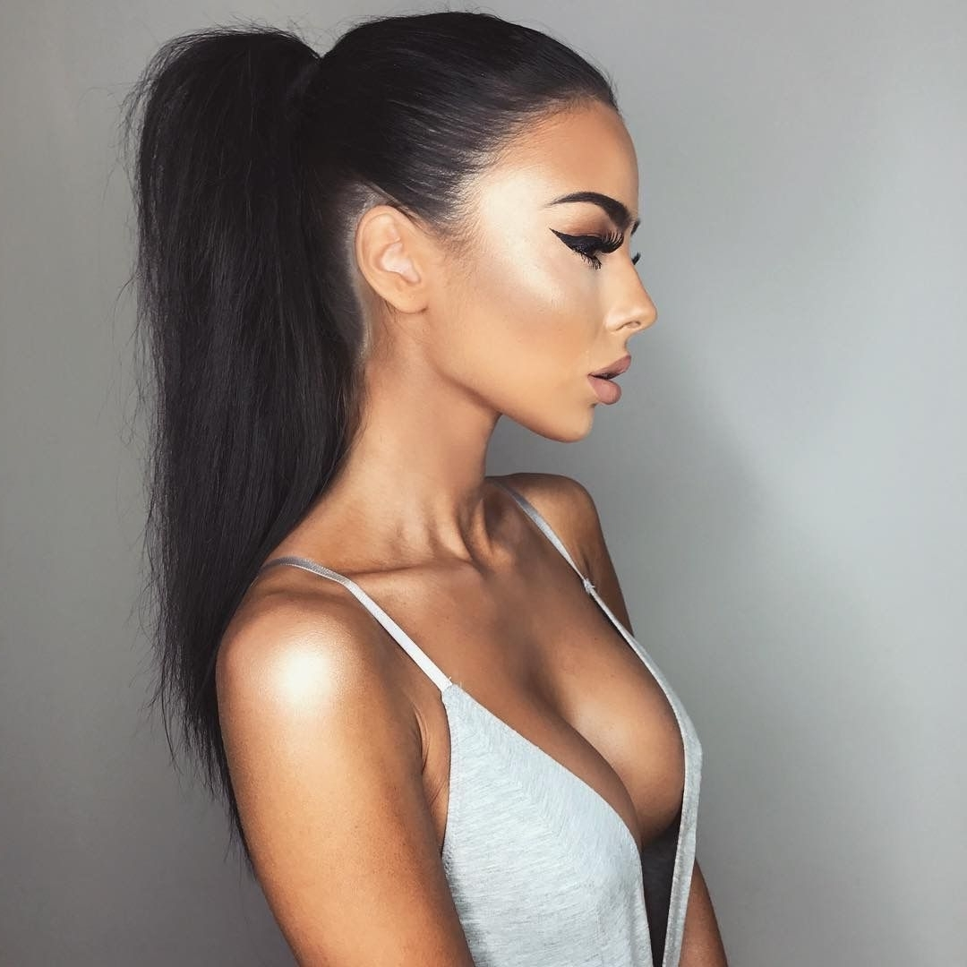 Most Popular Sleek Straightened Black Ponytail Hairstyles With Regard To Pinnandeezy ? On ♡ F U L L B E A T F A C E ♡ (View 9 of 20)
