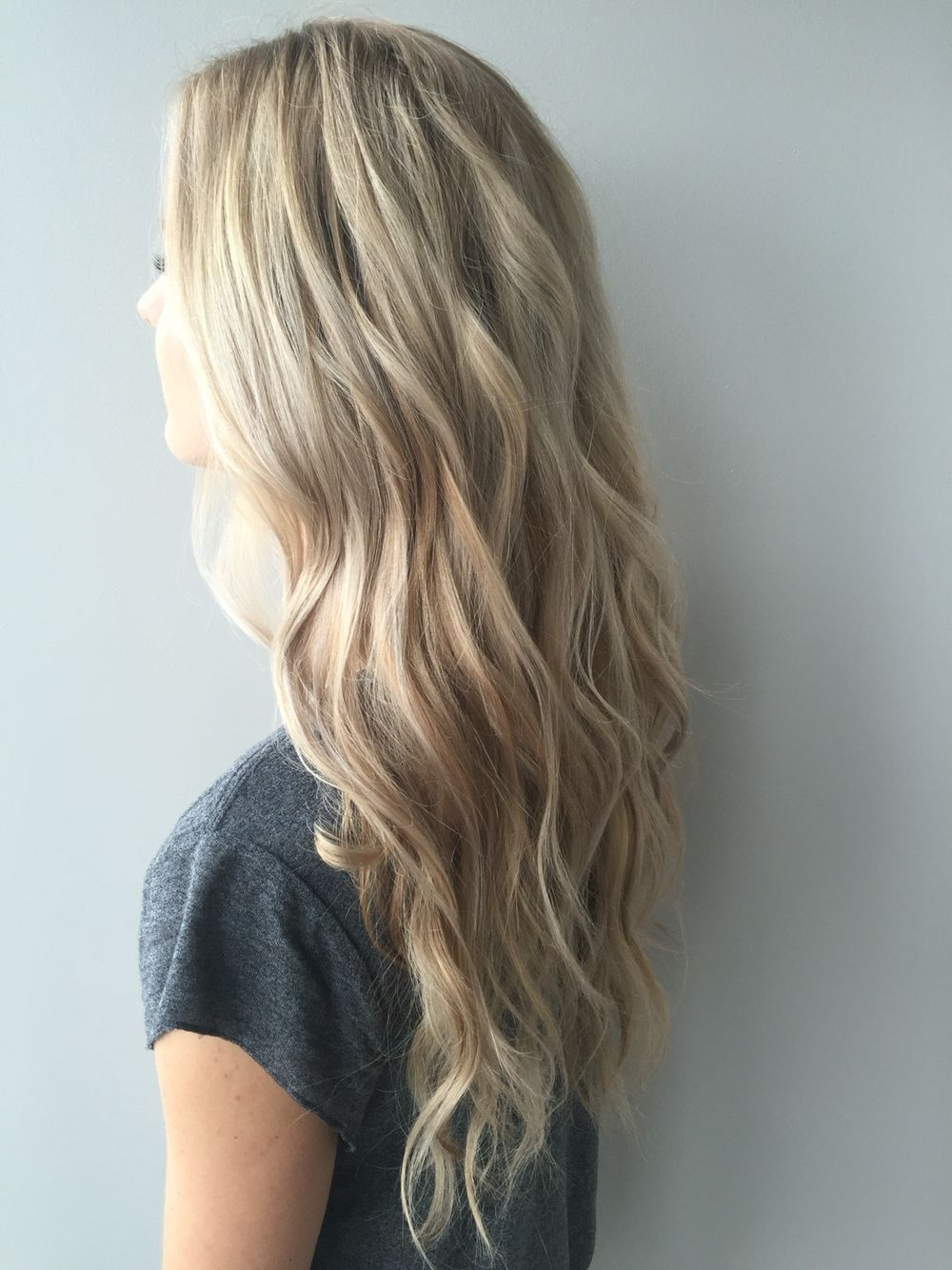 Featured Photo of Dirty Blonde Hairstyles With Subtle Highlights