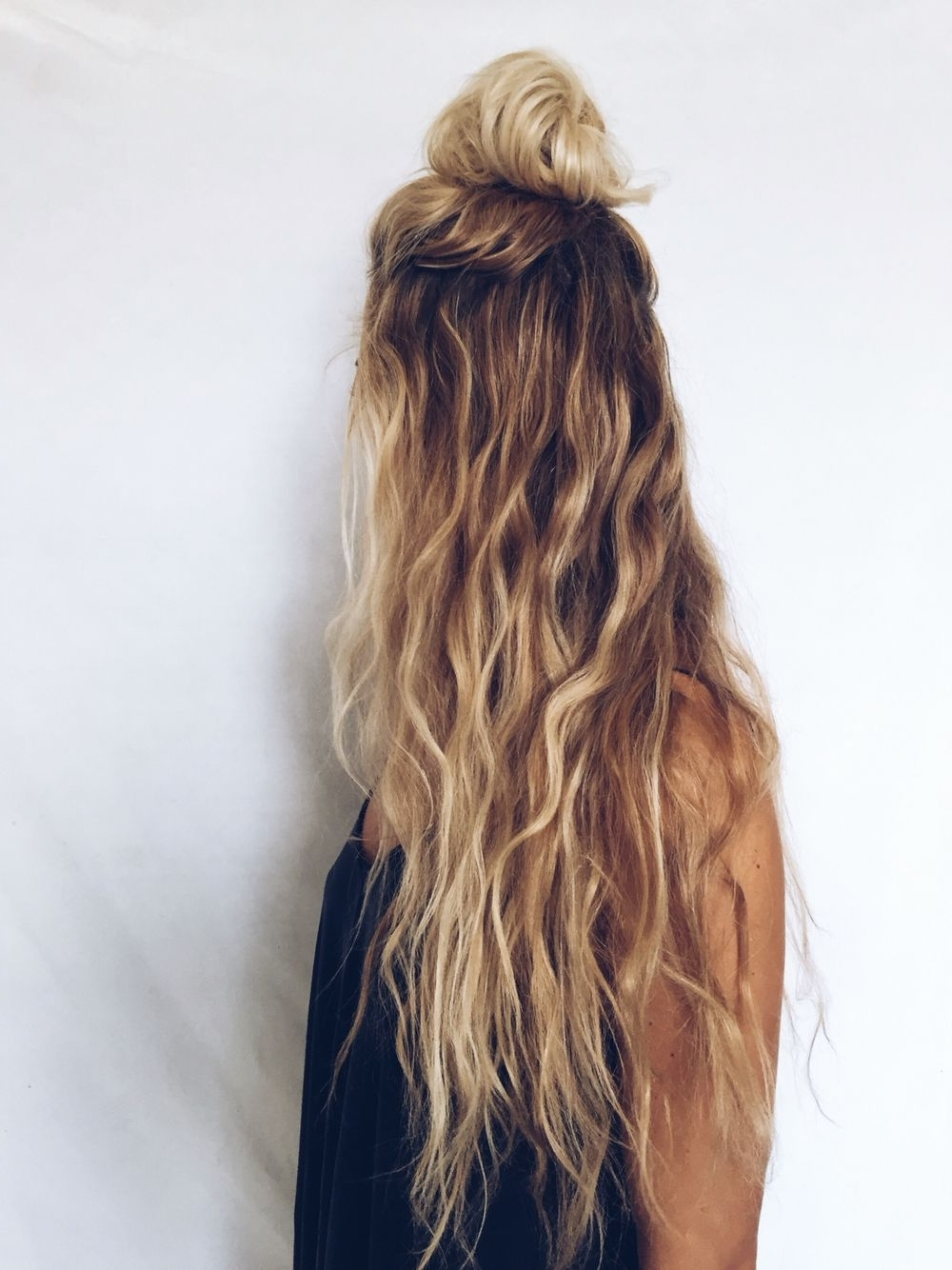 Most Recent Ponytail Hairstyles With Wild Wavy Ombre Pertaining To Long Hair, Blonde, Curly Wavy, Natural Kcdoubletake (Gallery 2 of 20)