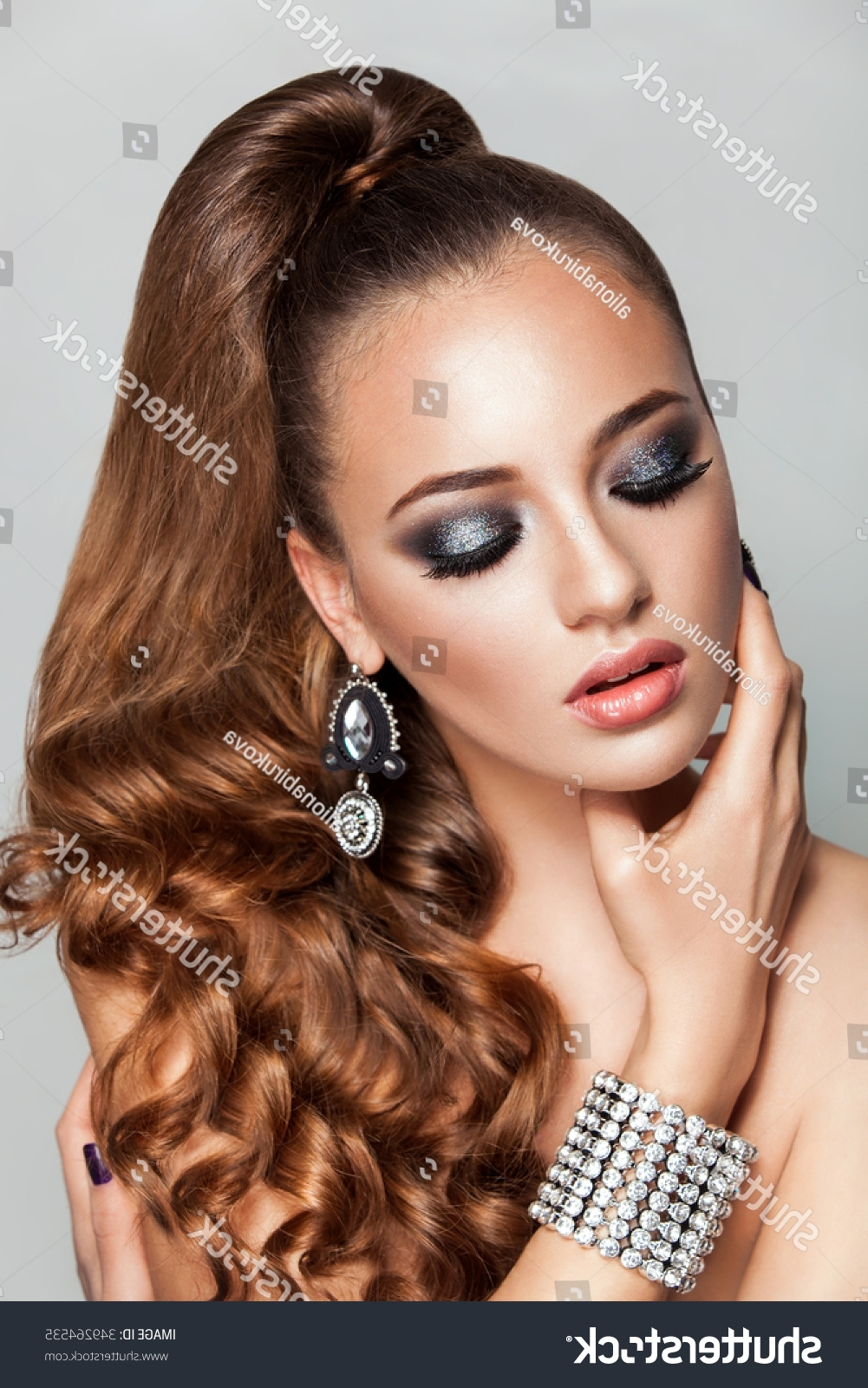 Most Recently Released Ponytail Hairstyles For Brunettes For Ponytail Hairstyle Beauty Brunette Fashion Model Stock Photo (edit (View 6 of 20)