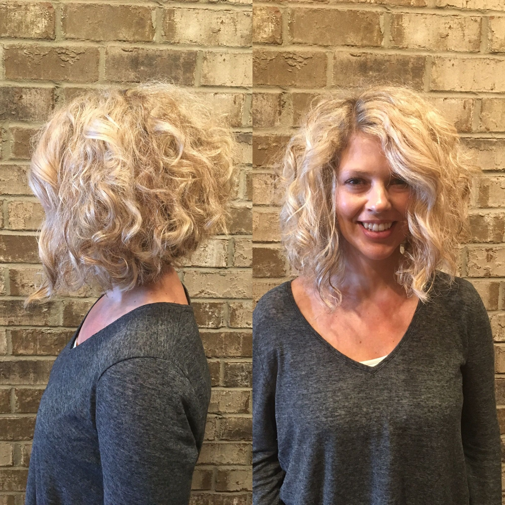Featured Photo of Medium Blonde Bob With Spiral Curls