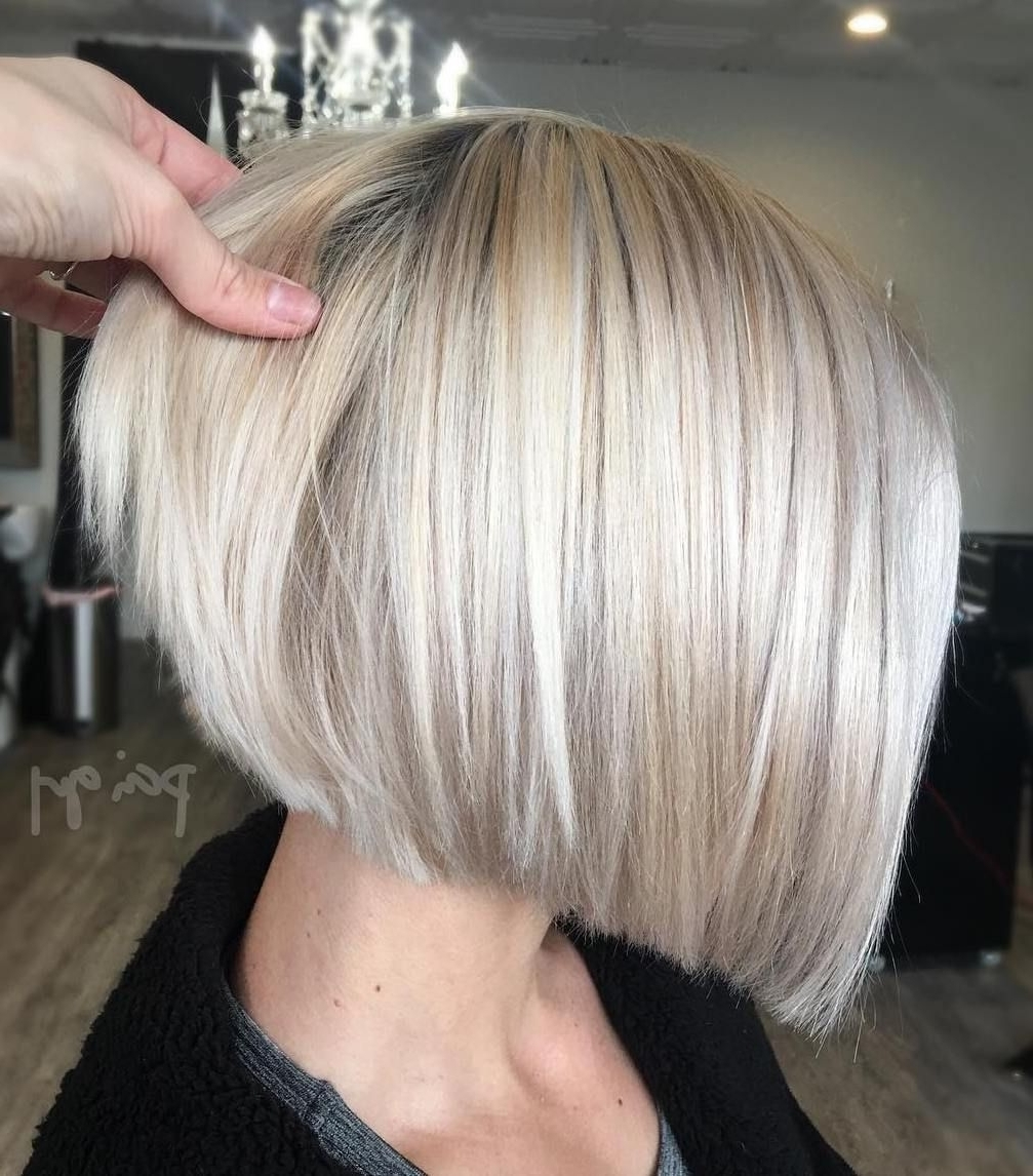 Featured Photo of Inverted Blonde Bob For Thin Hair