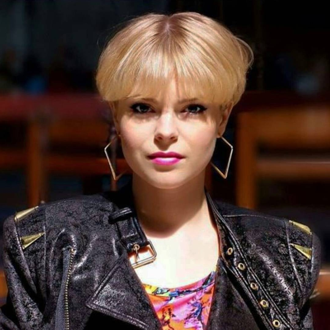 Newest Choppy Bowl Cut Pixie Hairstyles Throughout 37 Modern Hairstyles That Bring The Bowl Cut Back (View 17 of 20)