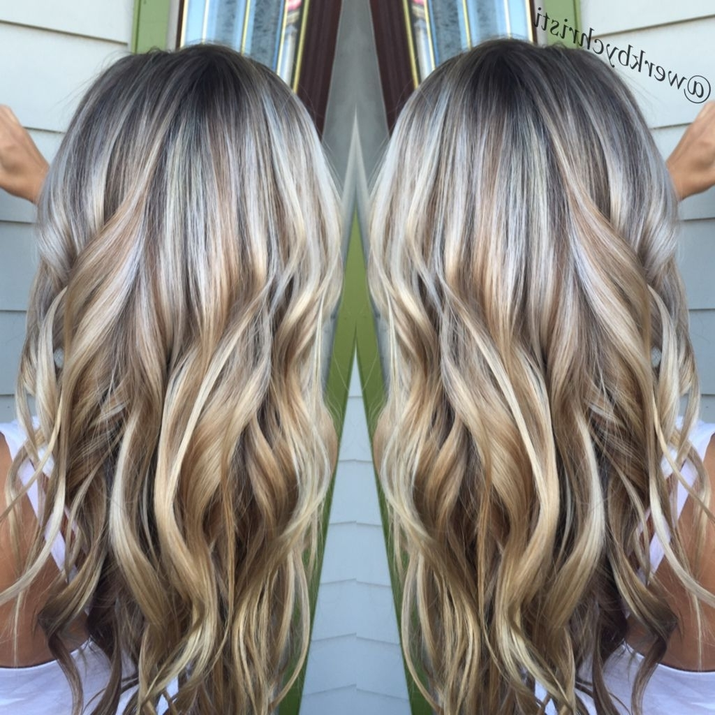 Newest Honey Hued Beach Waves Blonde Hairstyles Pertaining To Highlights And Lowlights, Platinum Blonde. Honey Blonde (View 14 of 20)